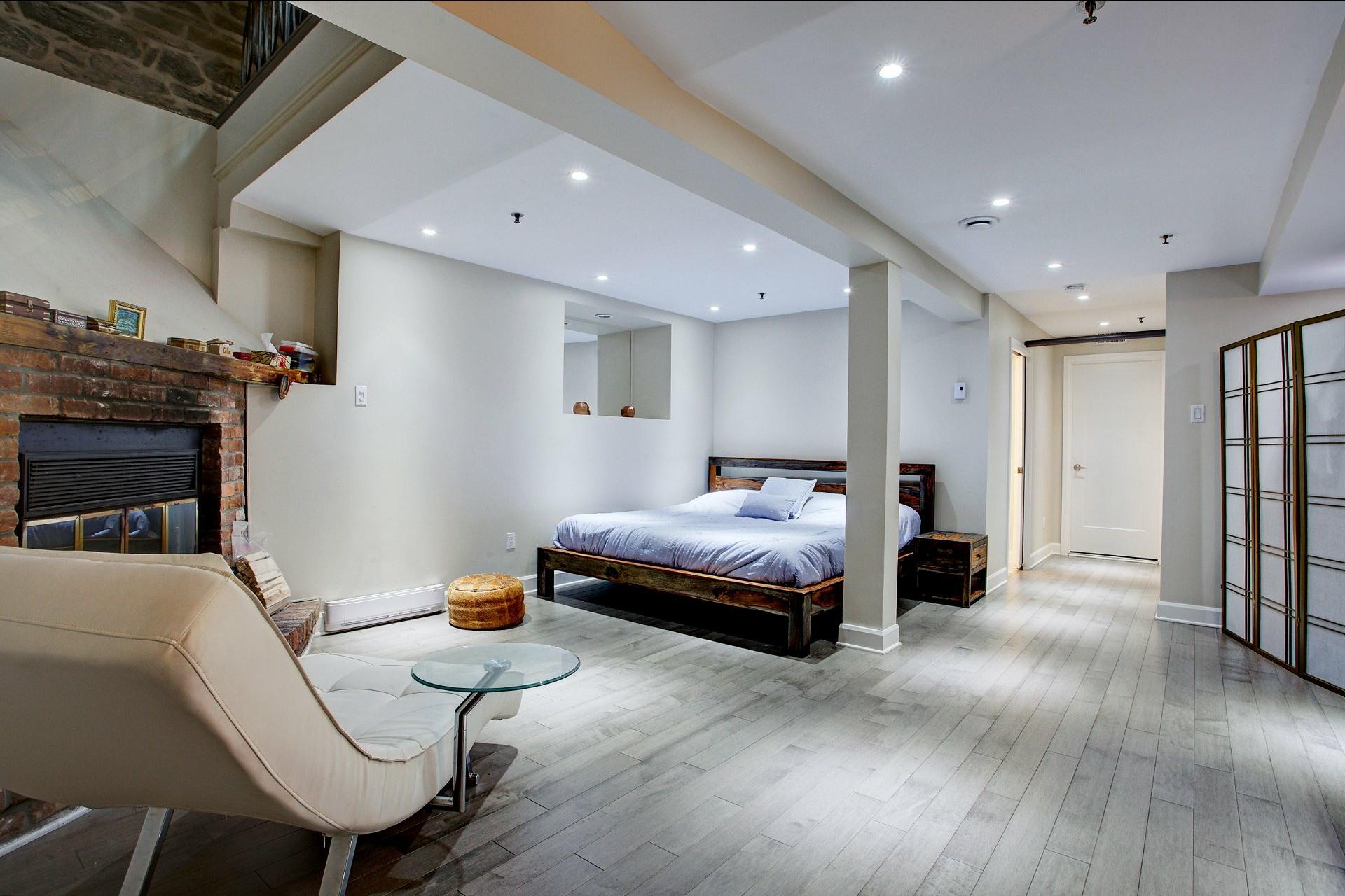 image 25 - Appartement À louer Montréal Ville-Marie  - 6 pièces