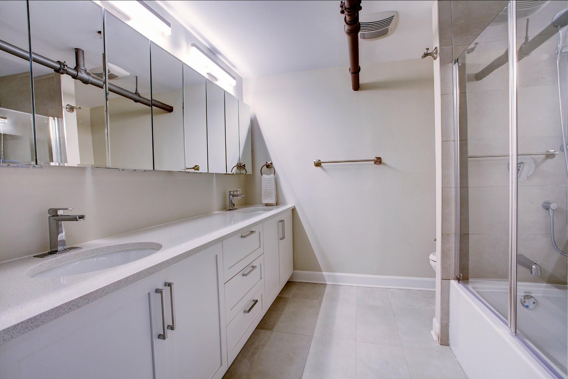 image 27 - Appartement À louer Montréal Ville-Marie  - 6 pièces