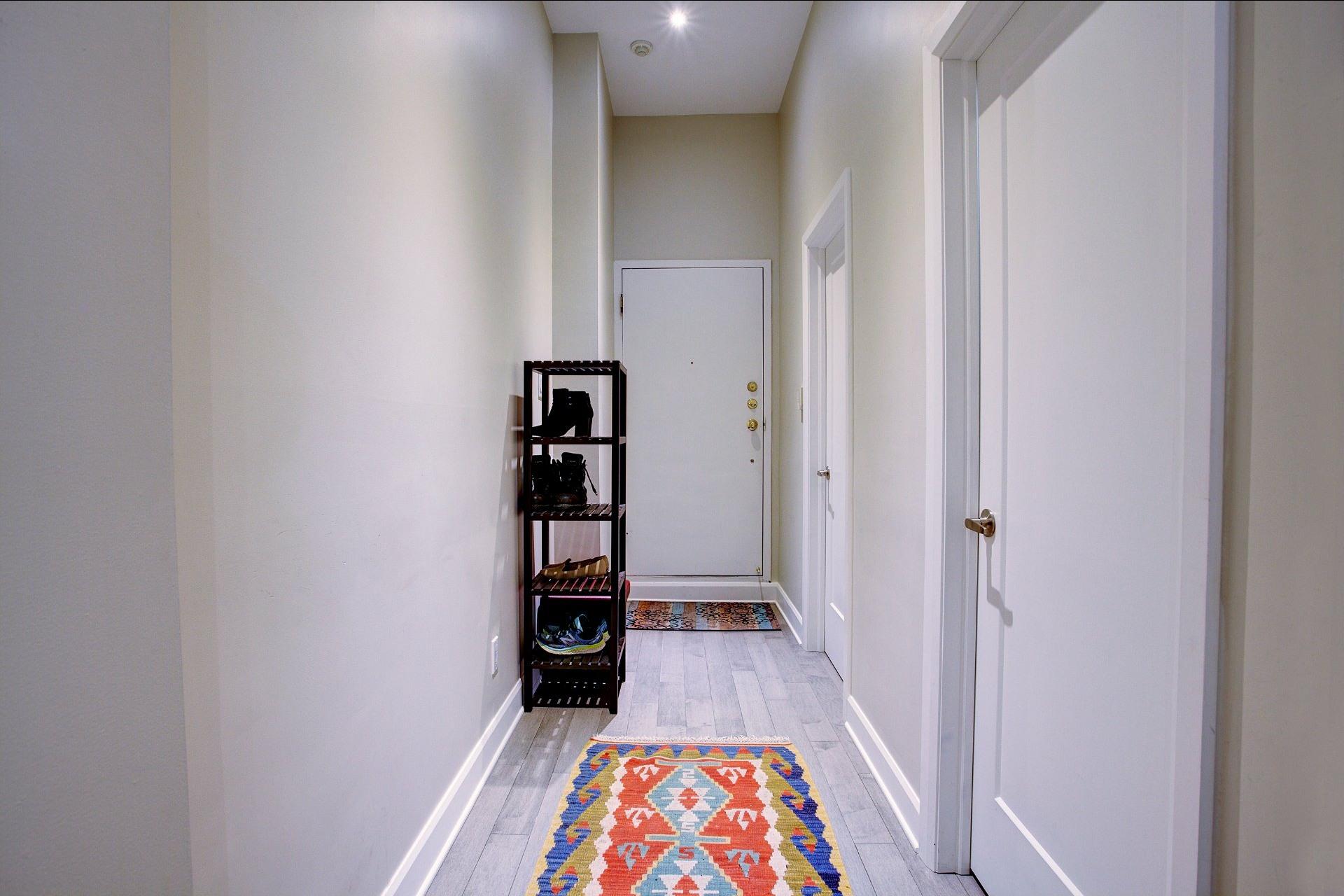 image 1 - Appartement À louer Montréal Ville-Marie  - 6 pièces