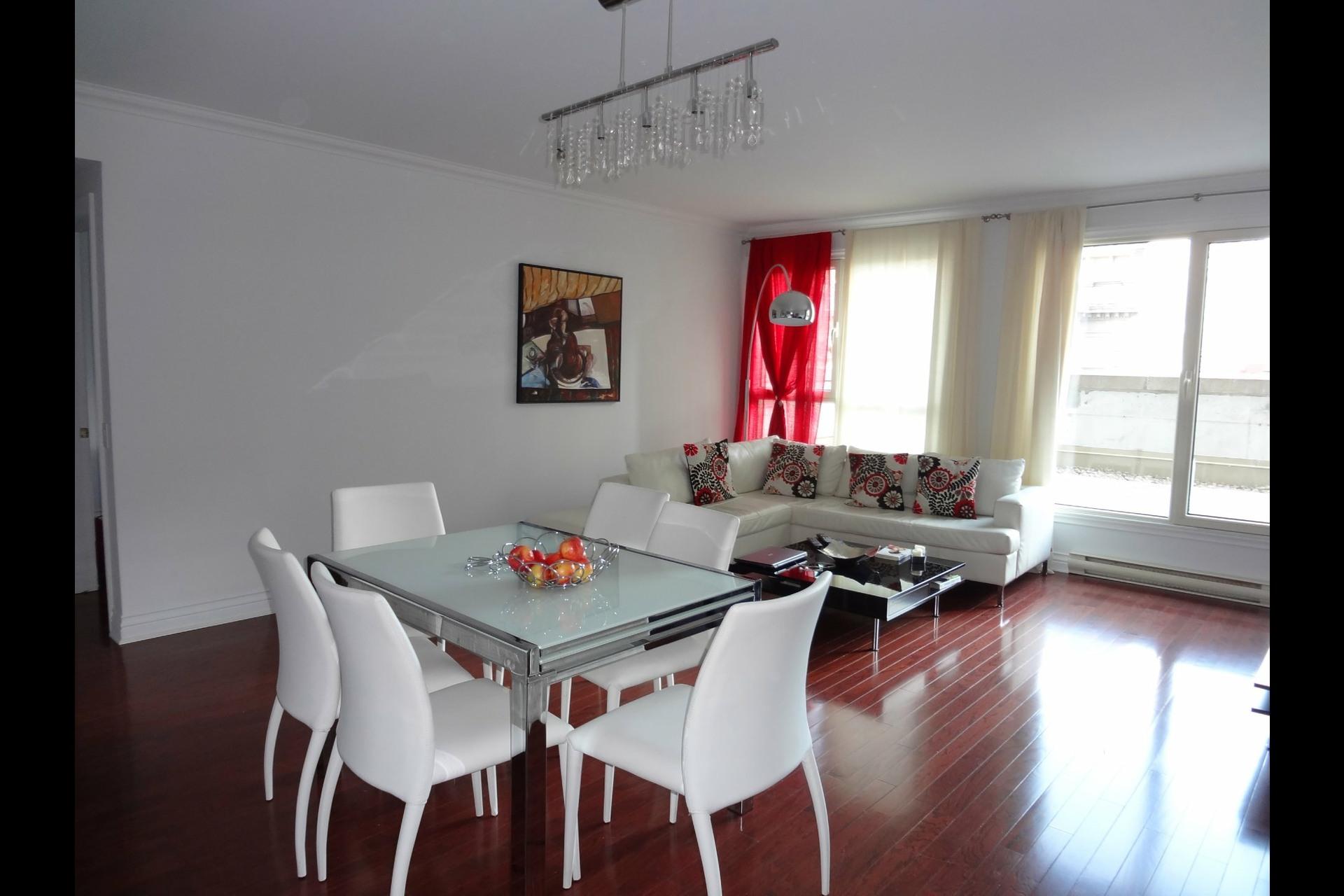 image 3 - Appartement À louer Montréal Ville-Marie  - 5 pièces