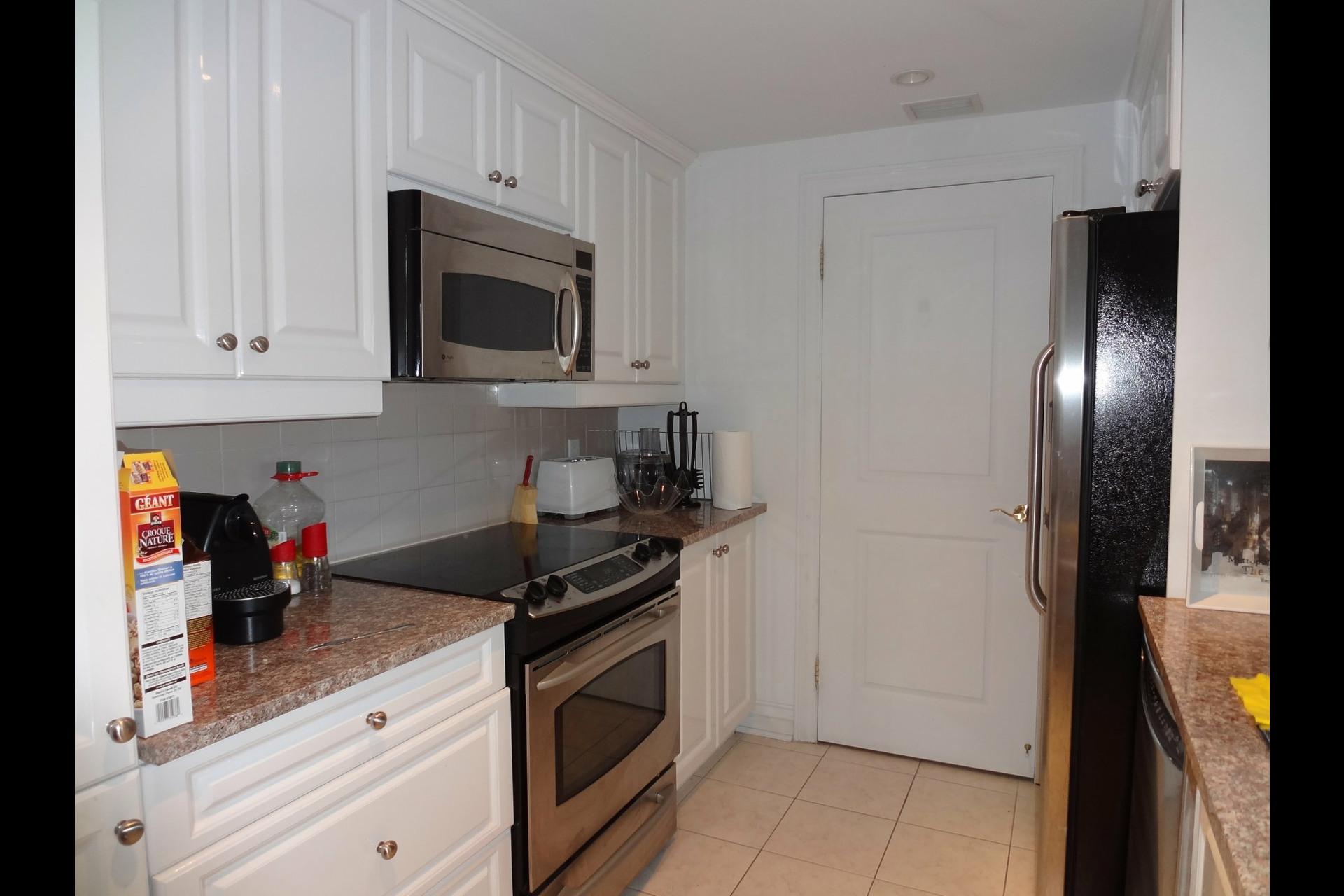 image 5 - Appartement À louer Montréal Ville-Marie  - 5 pièces