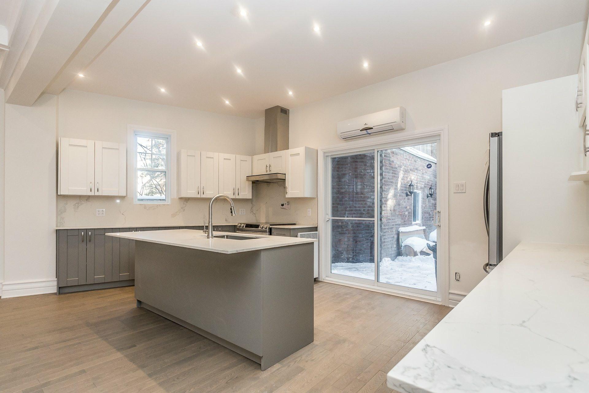 image 10 - Appartement À vendre Montréal Côte-des-Neiges/Notre-Dame-de-Grâce  - 9 pièces