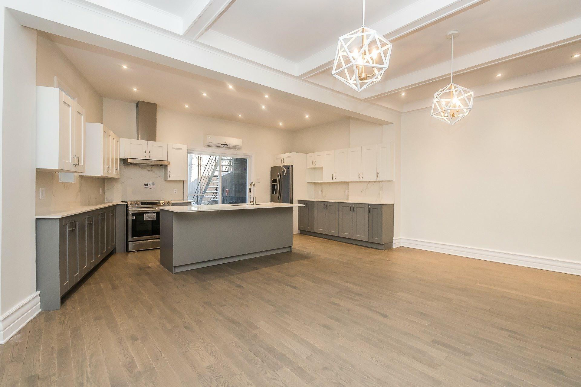 image 8 - Appartement À vendre Montréal Côte-des-Neiges/Notre-Dame-de-Grâce  - 9 pièces