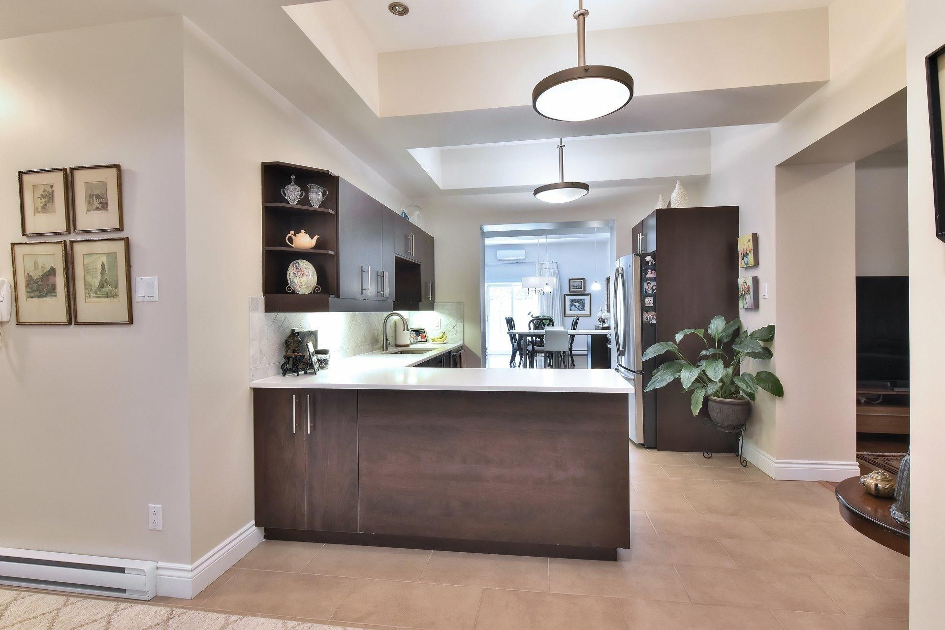 image 13 - Apartment For sale Montréal Côte-des-Neiges/Notre-Dame-de-Grâce  - 5 rooms