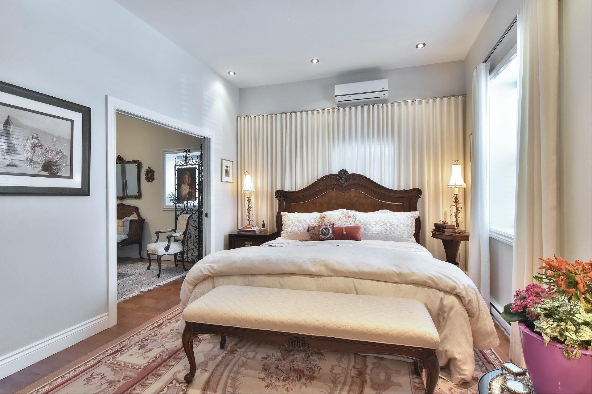 image 4 - Apartment For sale Montréal Côte-des-Neiges/Notre-Dame-de-Grâce  - 5 rooms