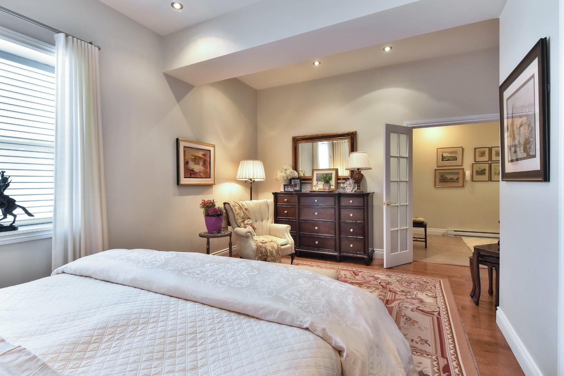 image 5 - Apartment For sale Montréal Côte-des-Neiges/Notre-Dame-de-Grâce  - 5 rooms
