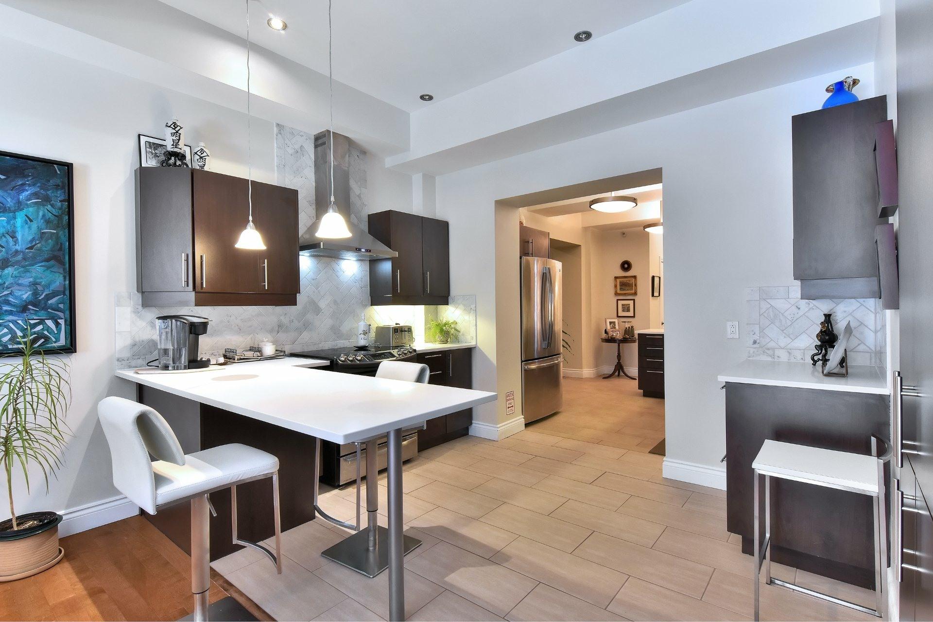 image 9 - Appartement À vendre Montréal Côte-des-Neiges/Notre-Dame-de-Grâce  - 5 pièces