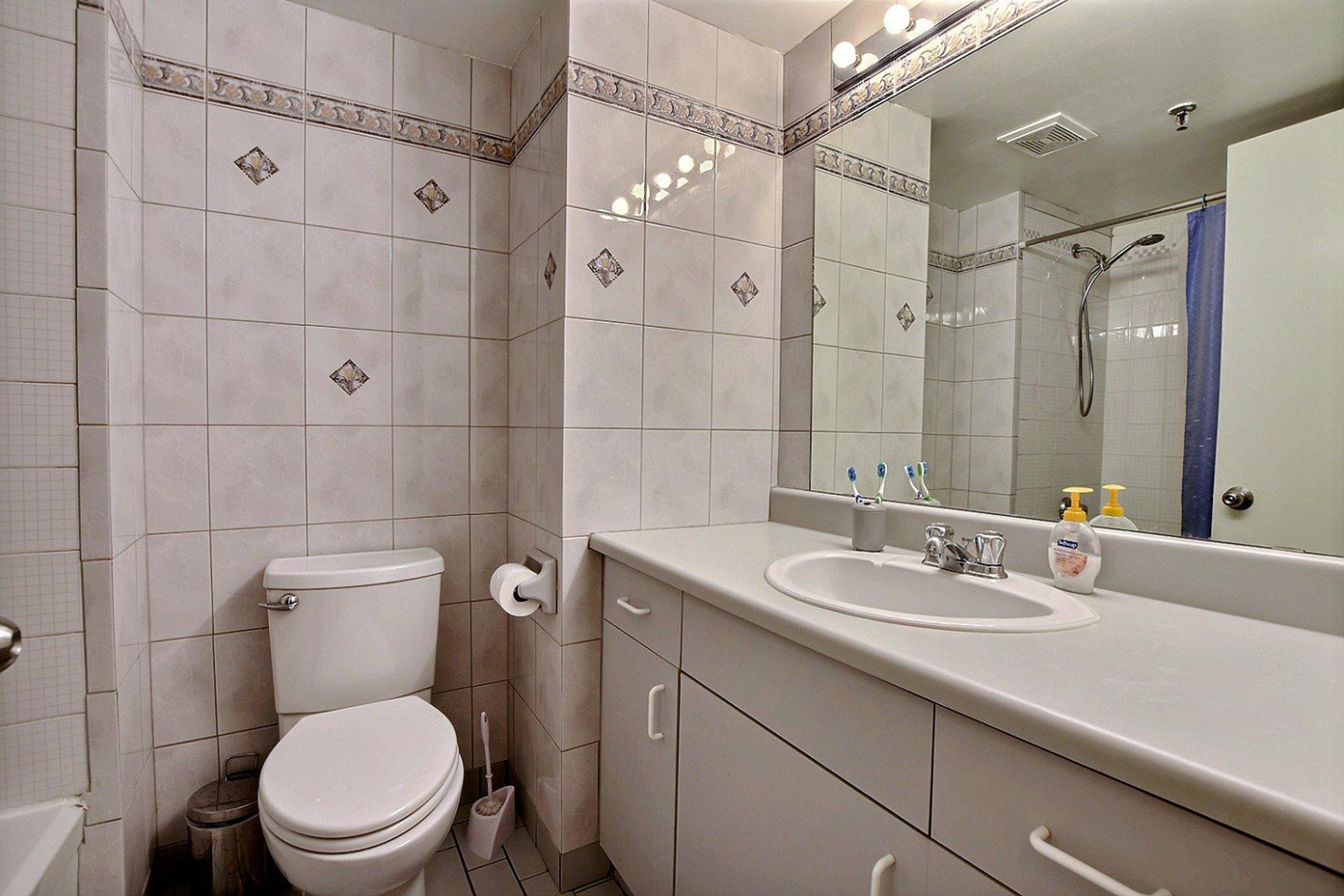 image 15 - Appartement À vendre Montréal Ville-Marie  - 3 pièces