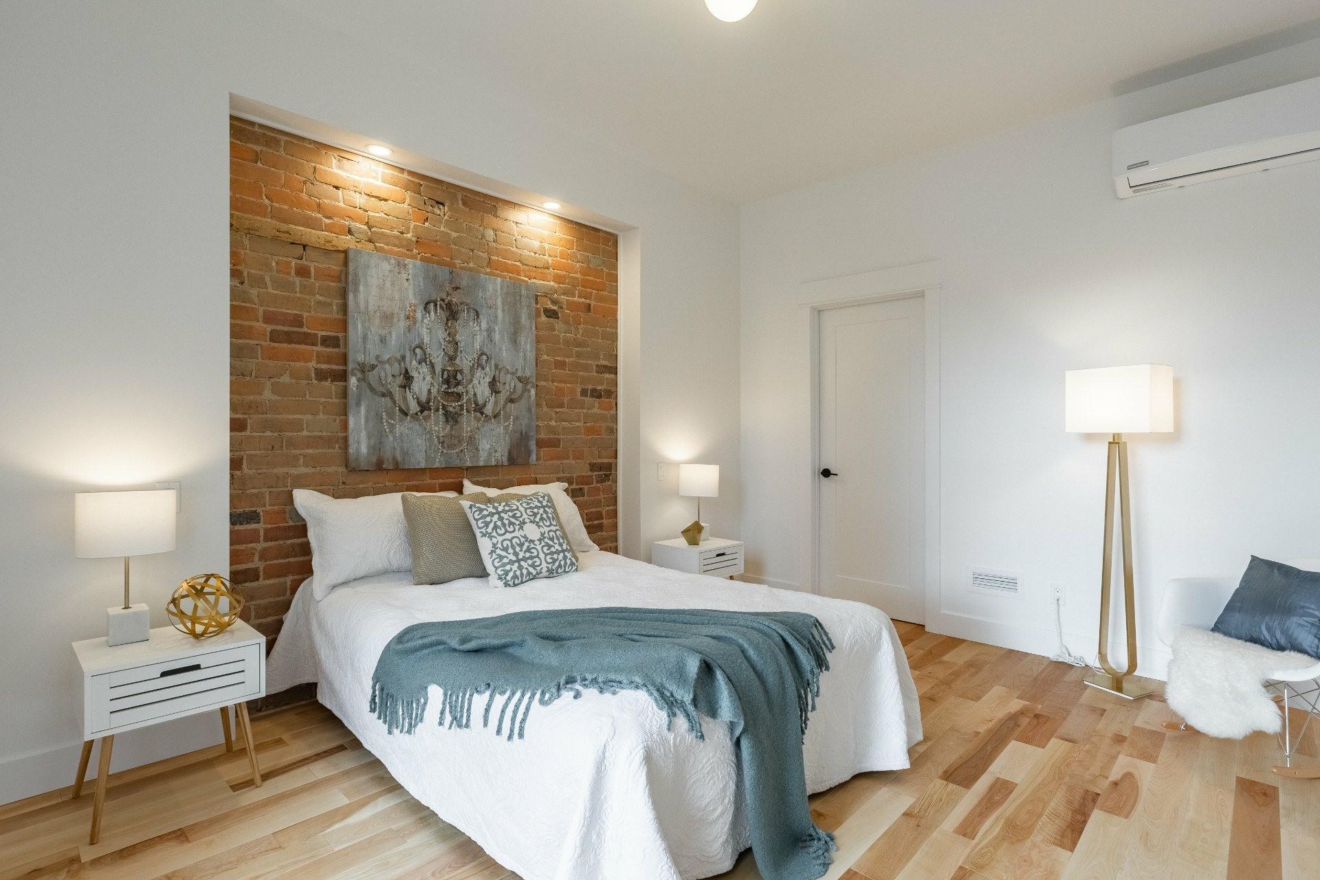 image 7 - Appartement À louer Montréal Le Plateau-Mont-Royal  - 9 pièces