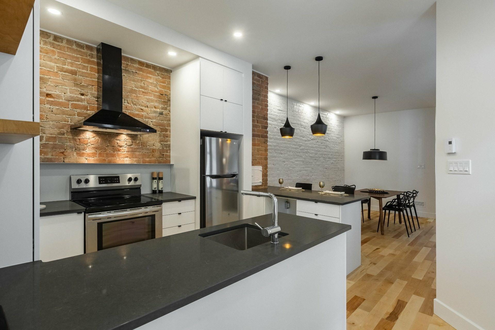 image 4 - Appartement À louer Montréal Le Plateau-Mont-Royal  - 9 pièces