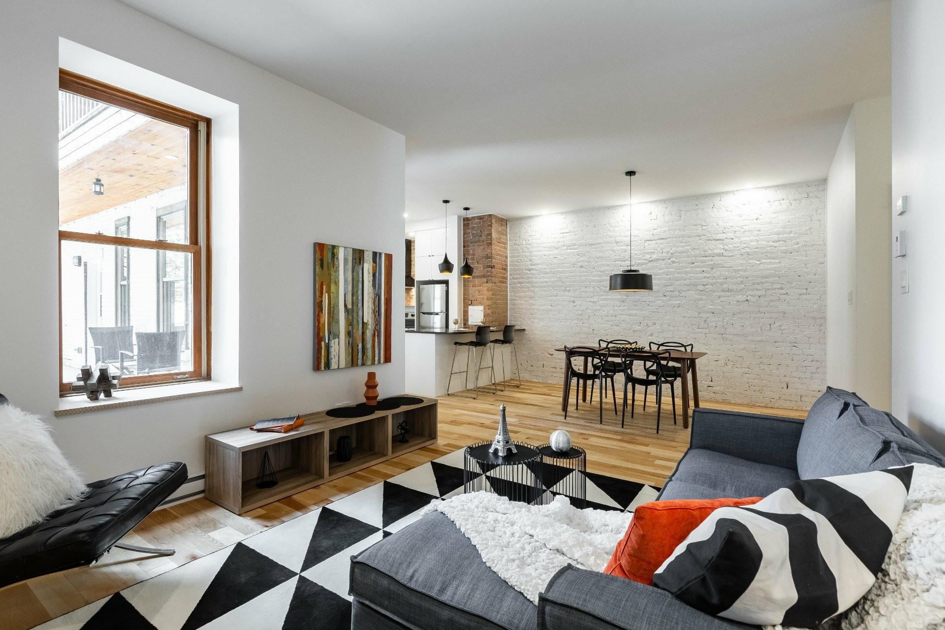 image 1 - Appartement À louer Montréal Le Plateau-Mont-Royal  - 9 pièces
