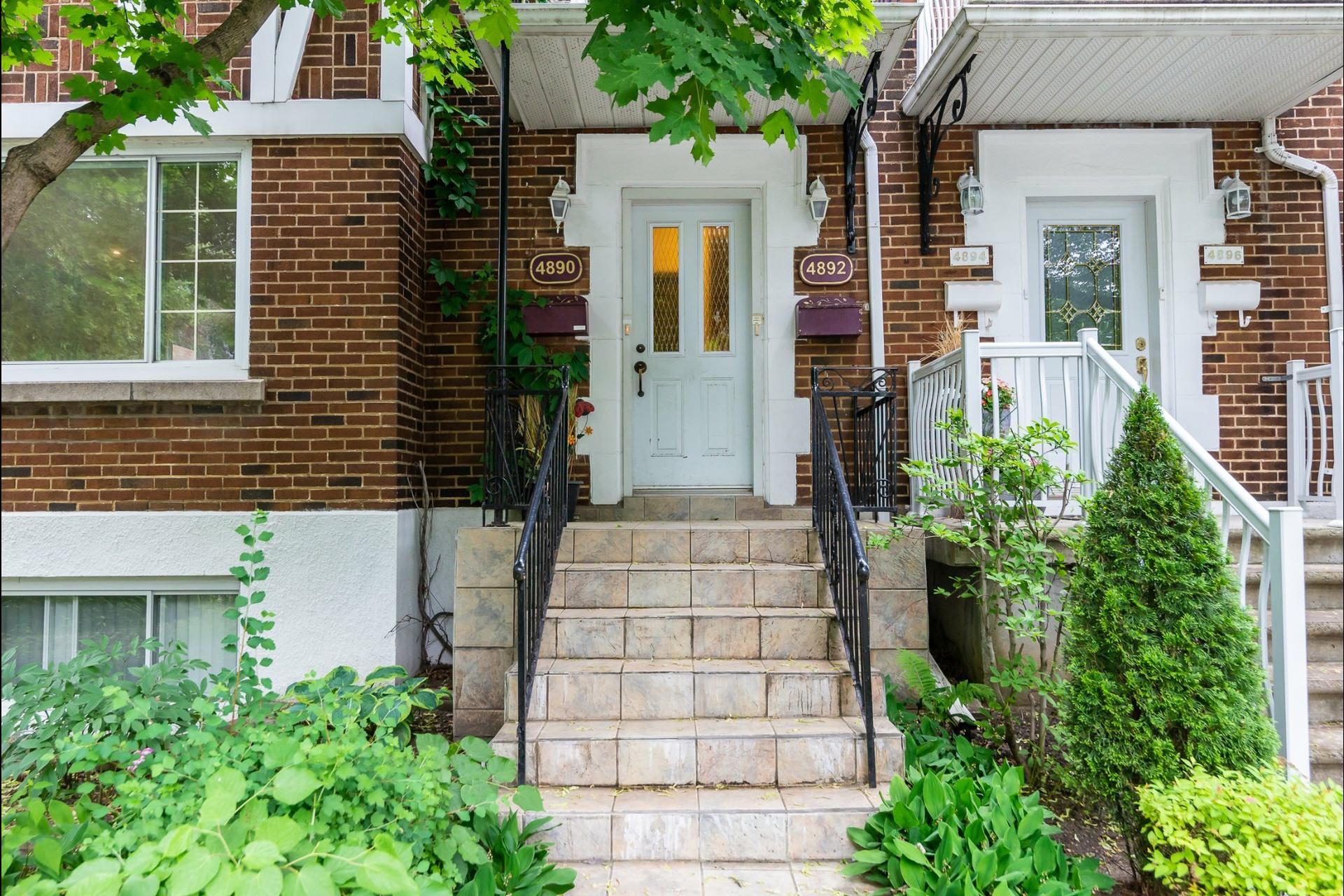image 18 - Appartement À louer Montréal Côte-des-Neiges/Notre-Dame-de-Grâce  - 7 pièces