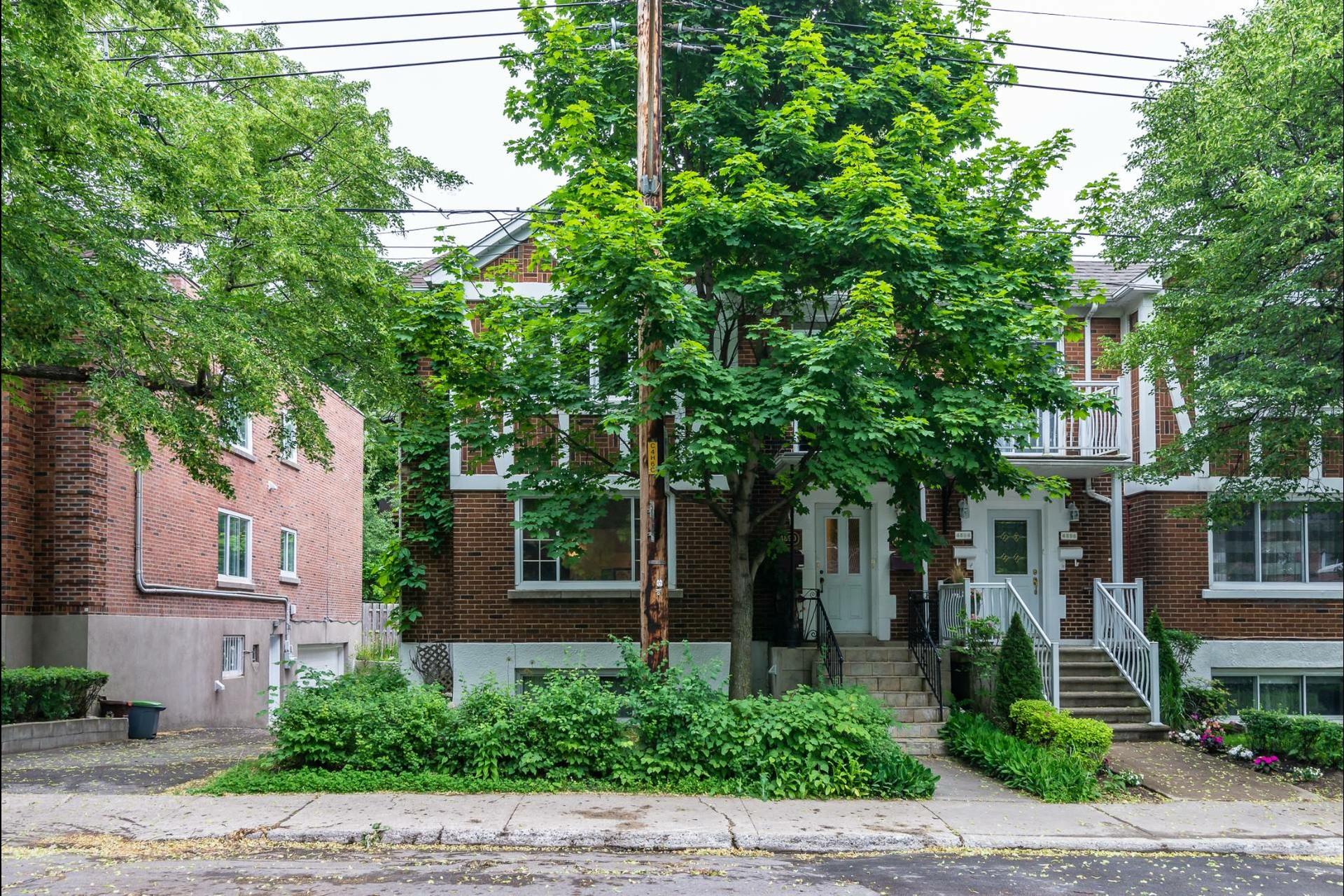 image 19 - Appartement À louer Montréal Côte-des-Neiges/Notre-Dame-de-Grâce  - 7 pièces