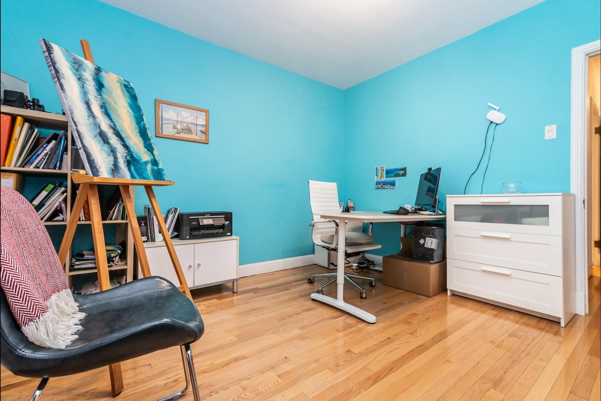 image 15 - Appartement À louer Montréal Côte-des-Neiges/Notre-Dame-de-Grâce  - 7 pièces