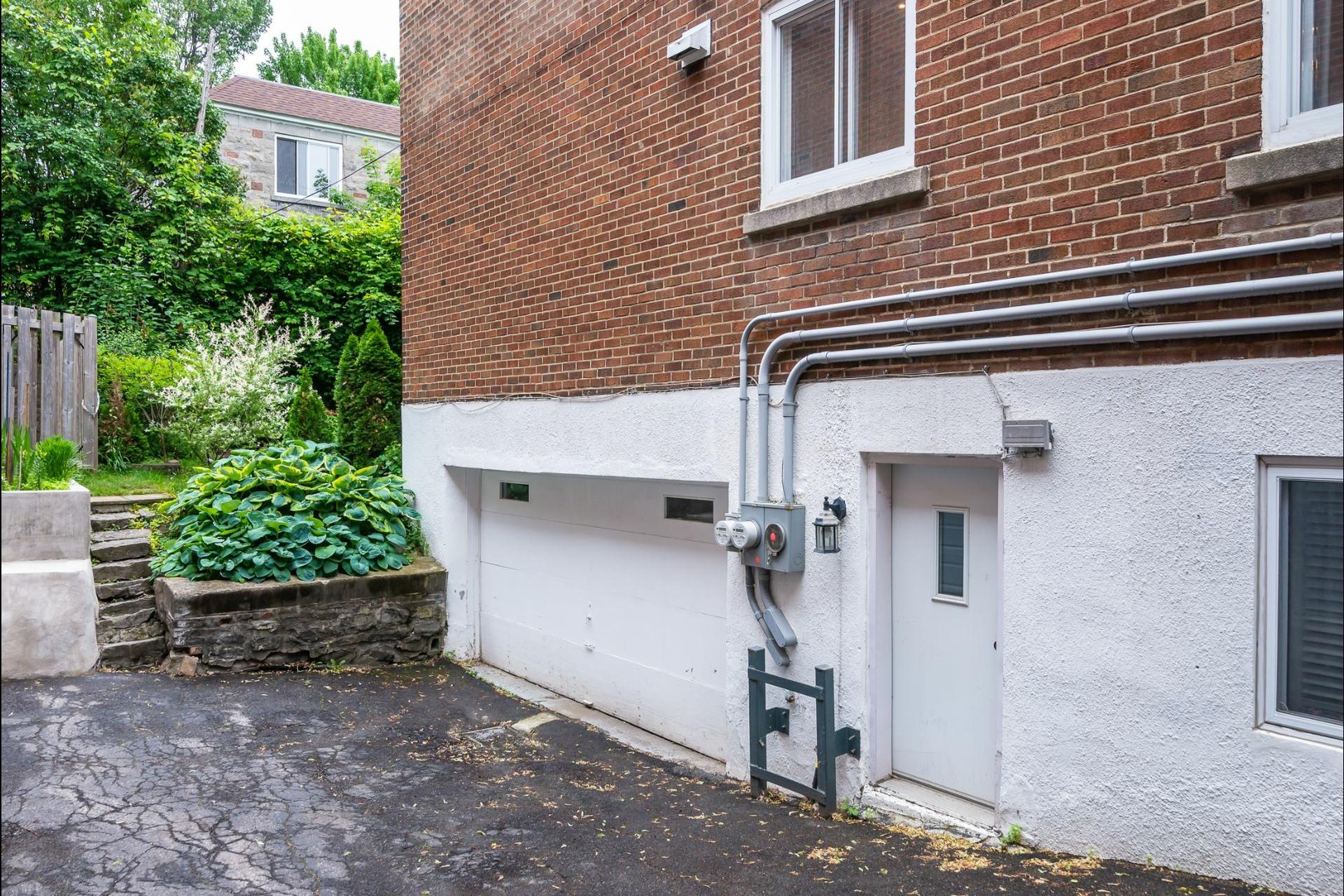 image 20 - Appartement À louer Montréal Côte-des-Neiges/Notre-Dame-de-Grâce  - 7 pièces