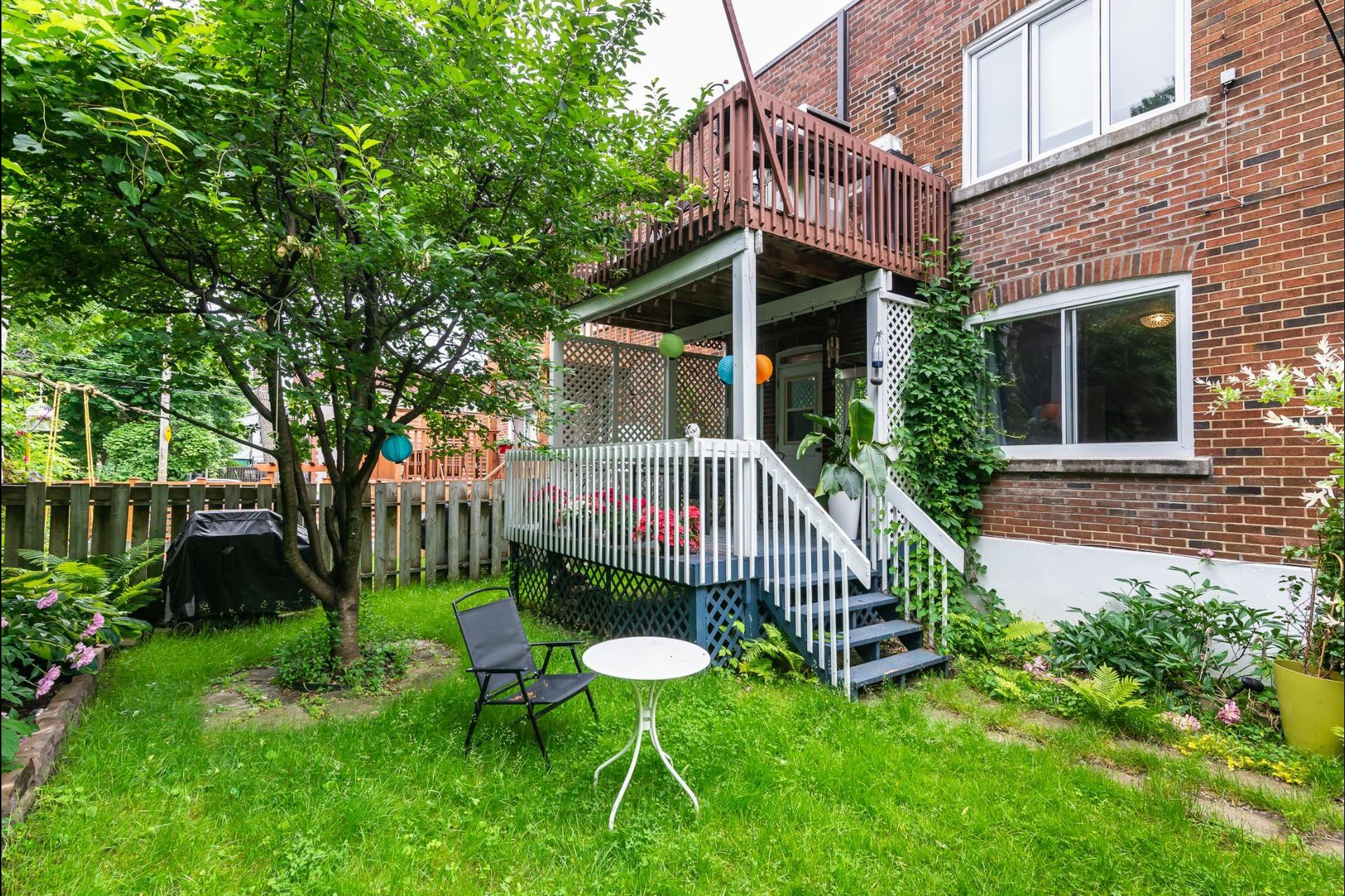 image 1 - Appartement À louer Montréal Côte-des-Neiges/Notre-Dame-de-Grâce  - 7 pièces