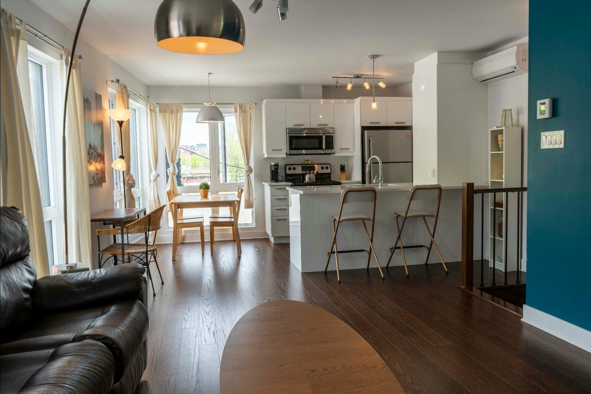 image 2 - Apartment For sale Montréal Le Sud-Ouest  - 5 rooms