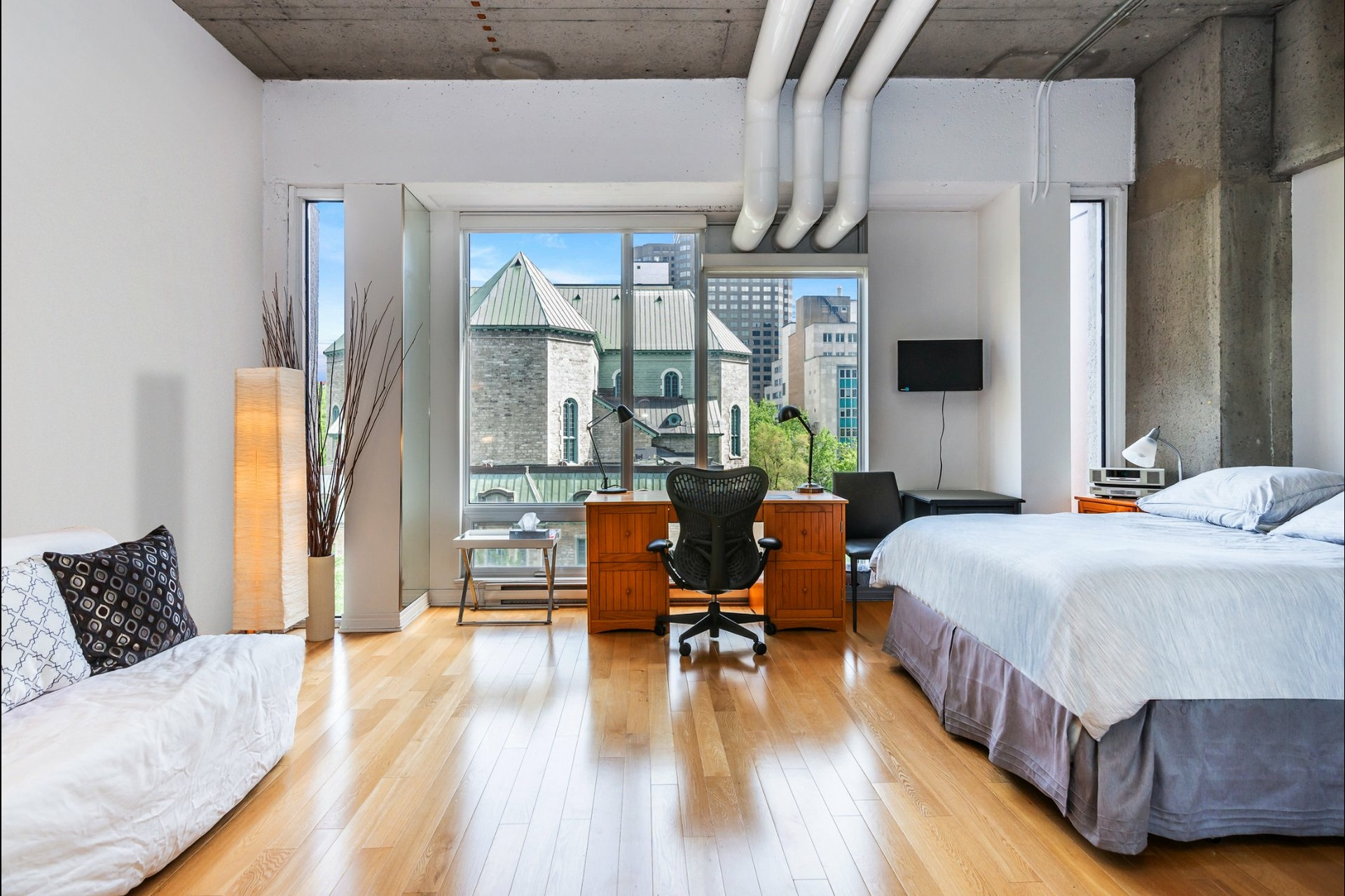 image 0 - Appartement À vendre Montréal Ville-Marie  - 4 pièces