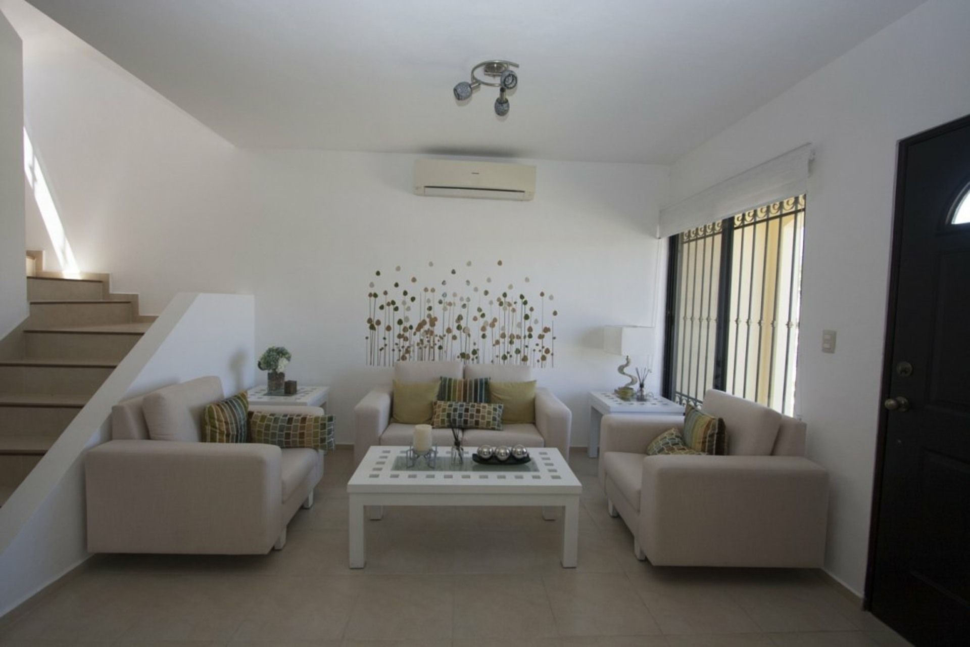 image 1 - House For sale Autres pays / Other countries - 8 rooms