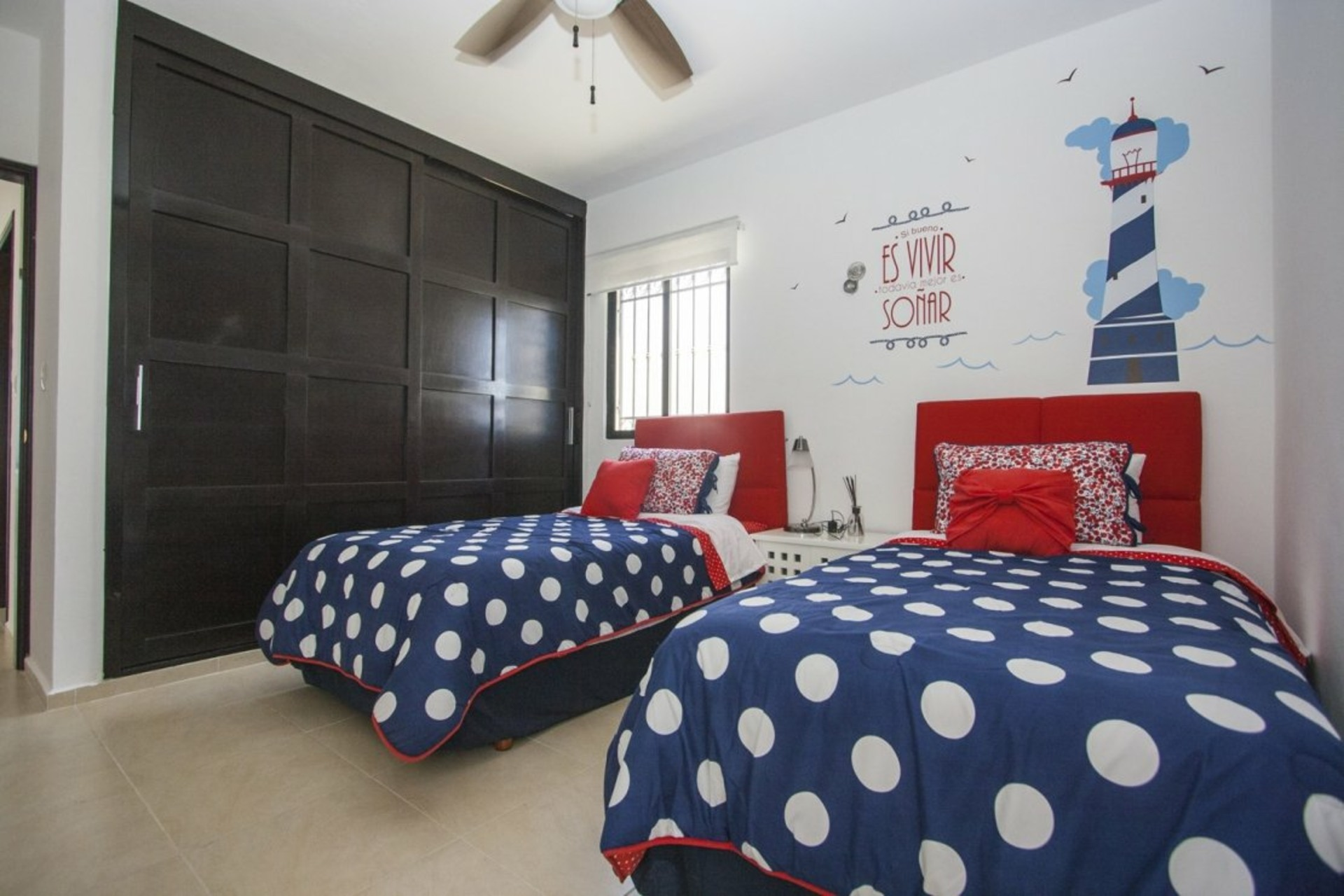 image 8 - House For sale Autres pays / Other countries - 8 rooms