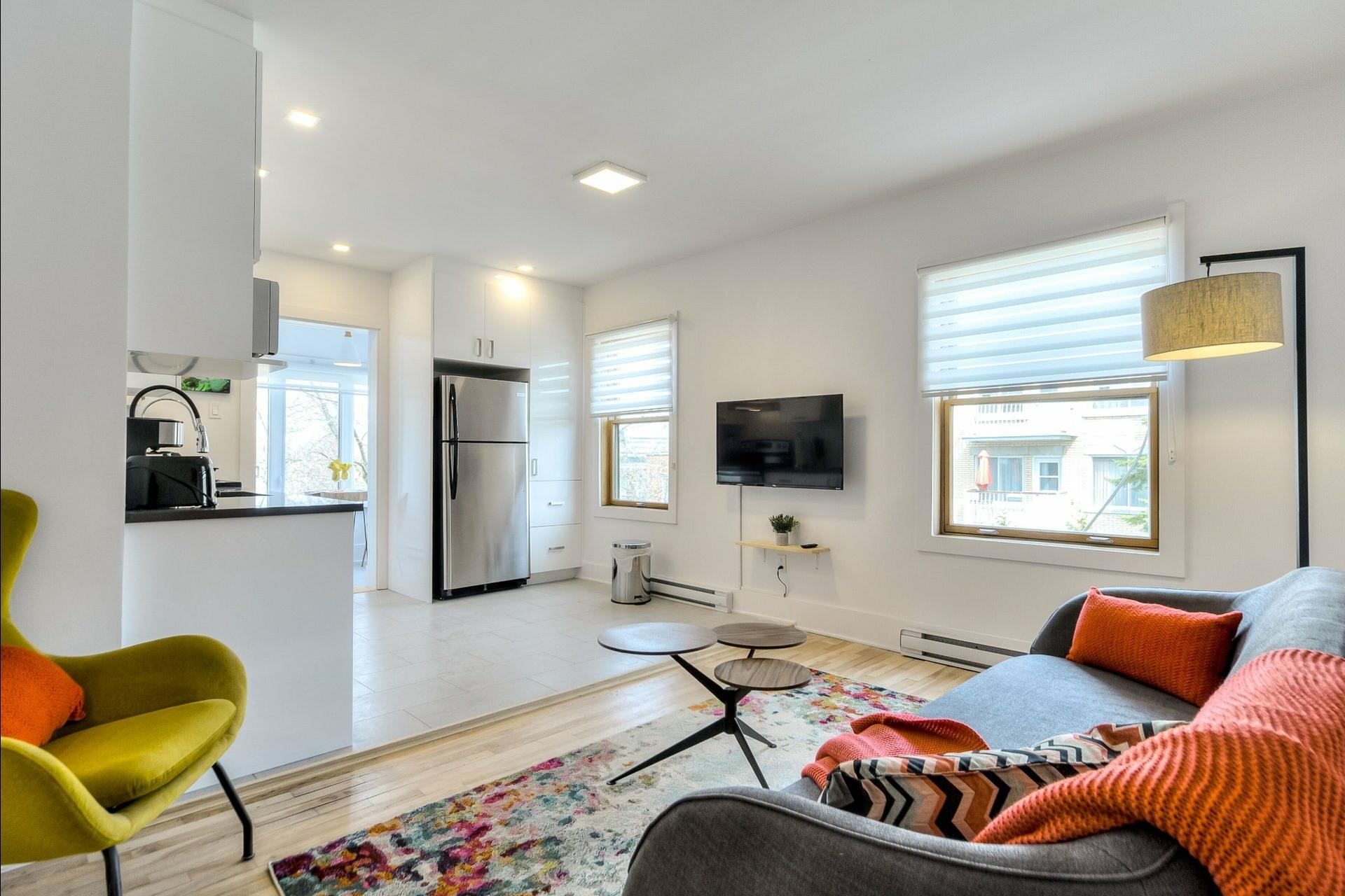 image 2 - Immeuble à revenus À vendre Montréal Villeray/Saint-Michel/Parc-Extension  - 3 pièces