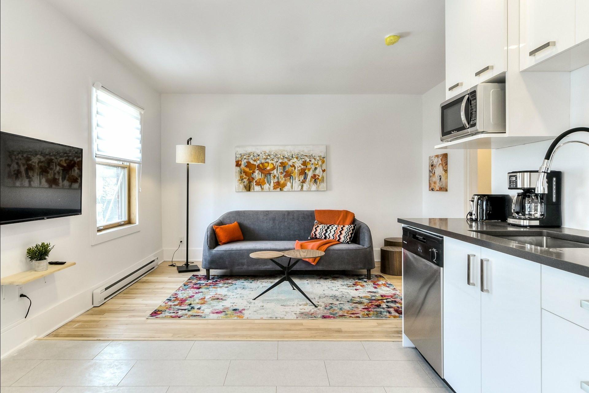 image 0 - Immeuble à revenus À vendre Montréal Villeray/Saint-Michel/Parc-Extension  - 3 pièces
