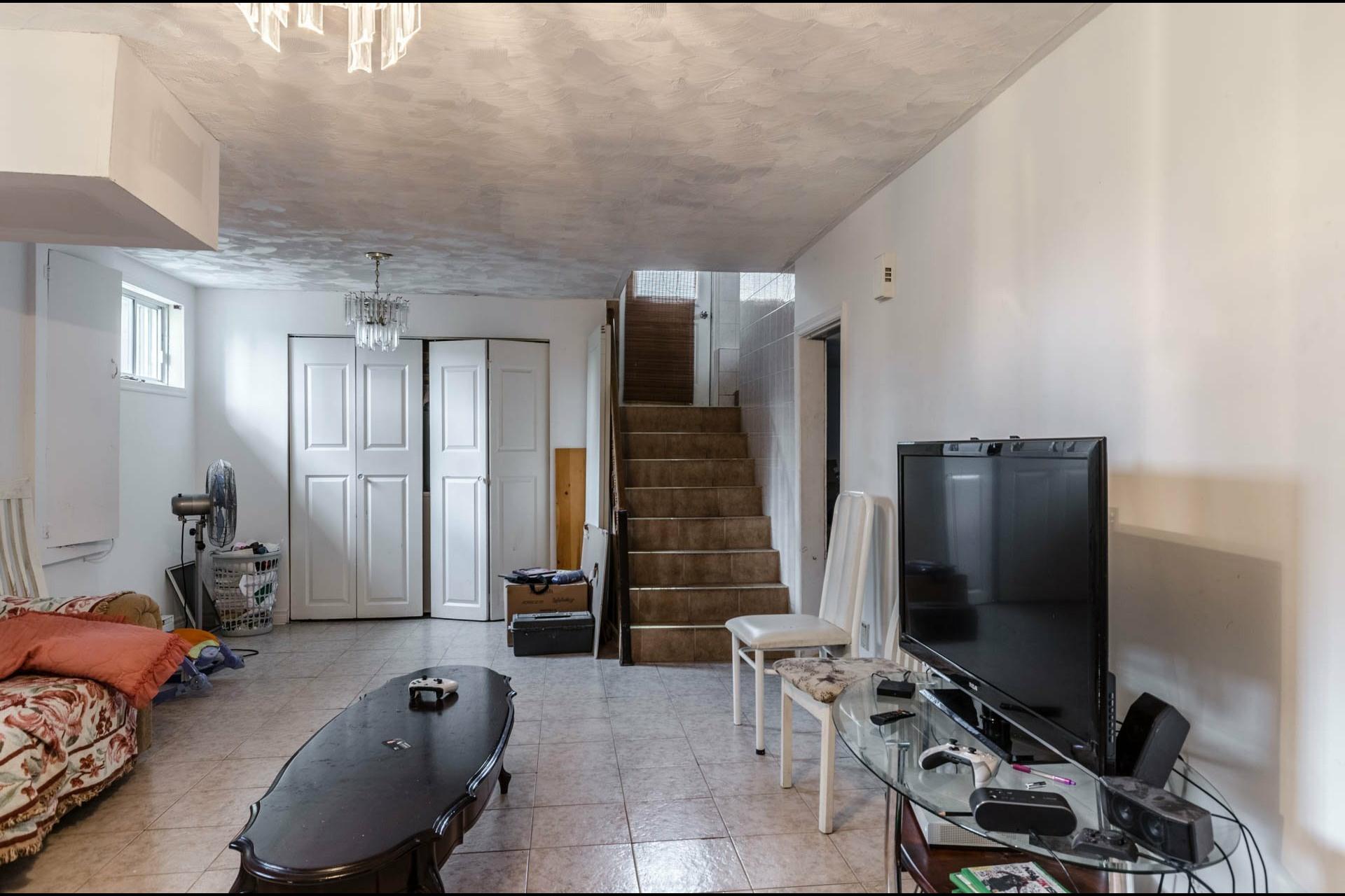 image 14 - Maison À vendre Laval Duvernay  - 11 pièces