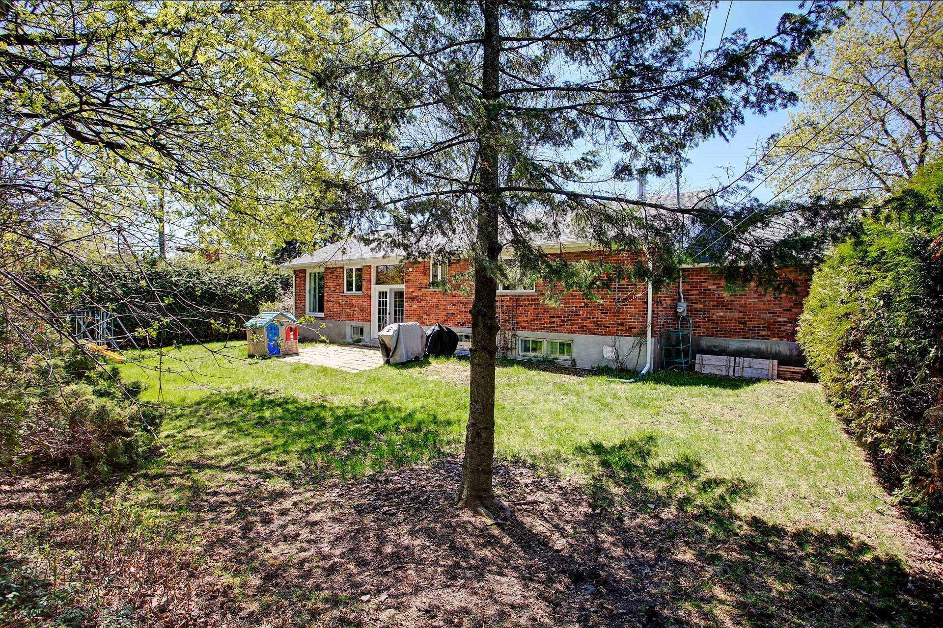 image 24 - House For sale Beaconsfield - 10 rooms