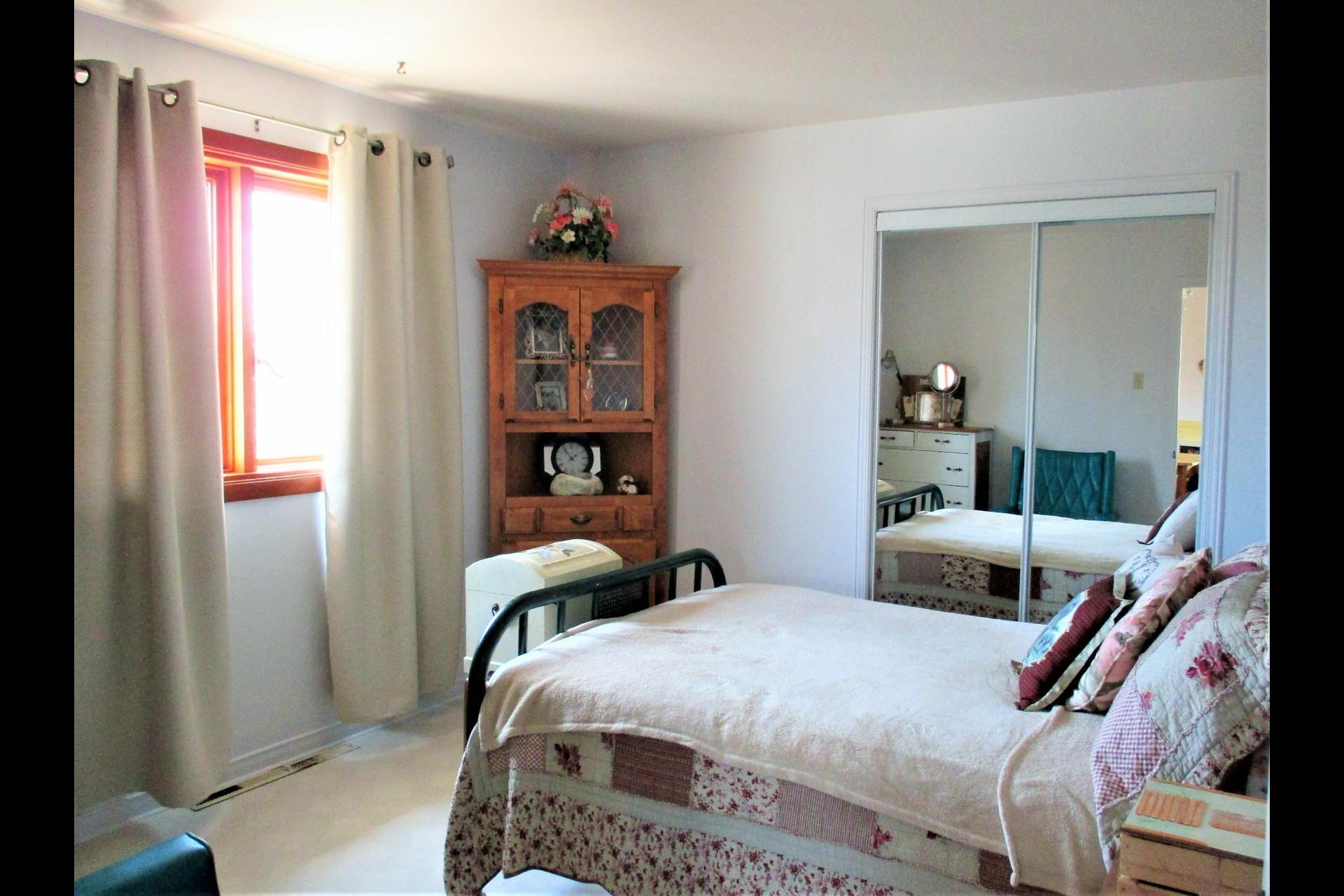 image 8 - Maison À vendre Trois-Rivières - 12 pièces