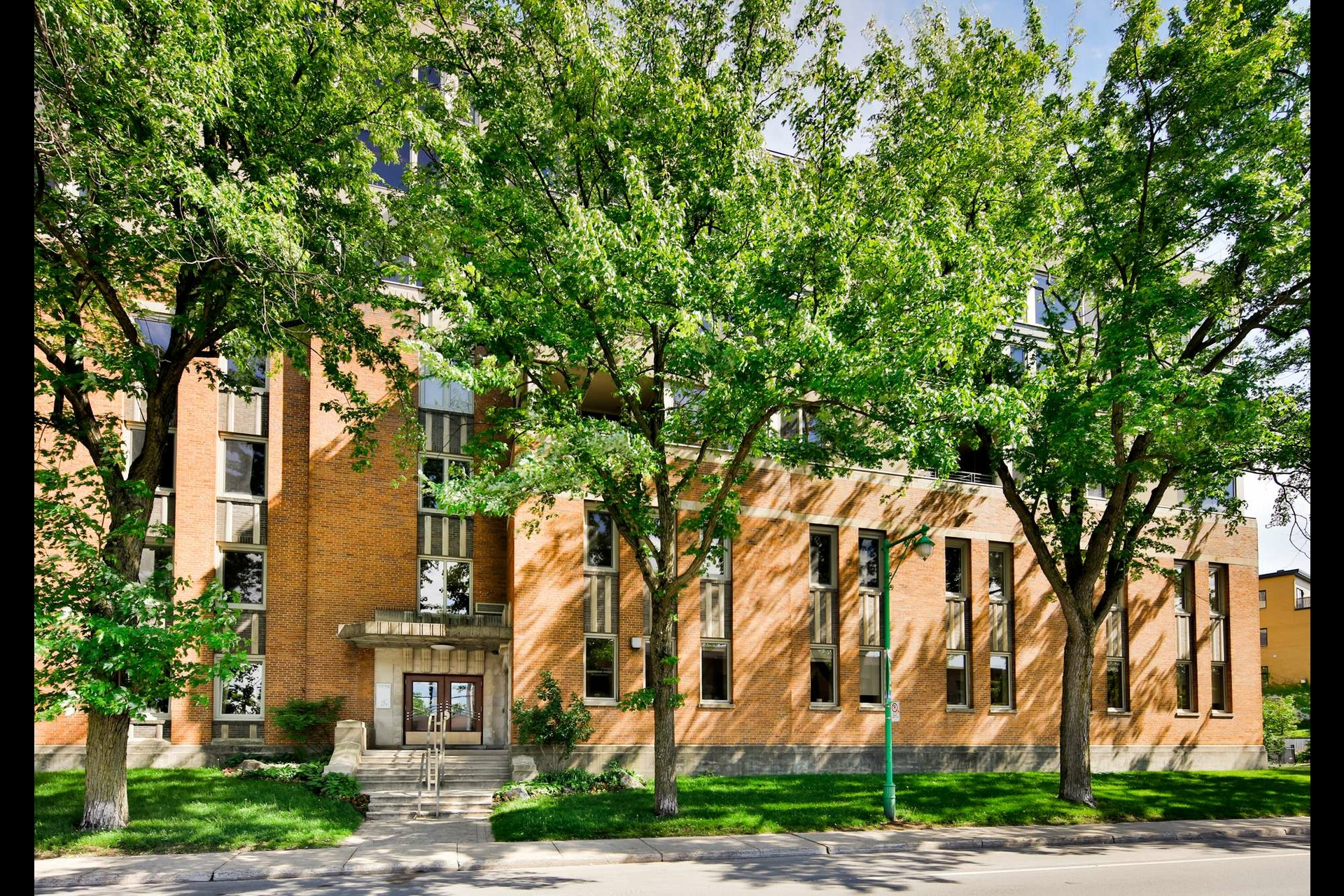 image 0 - Appartement À vendre Montréal Outremont  - 7 pièces