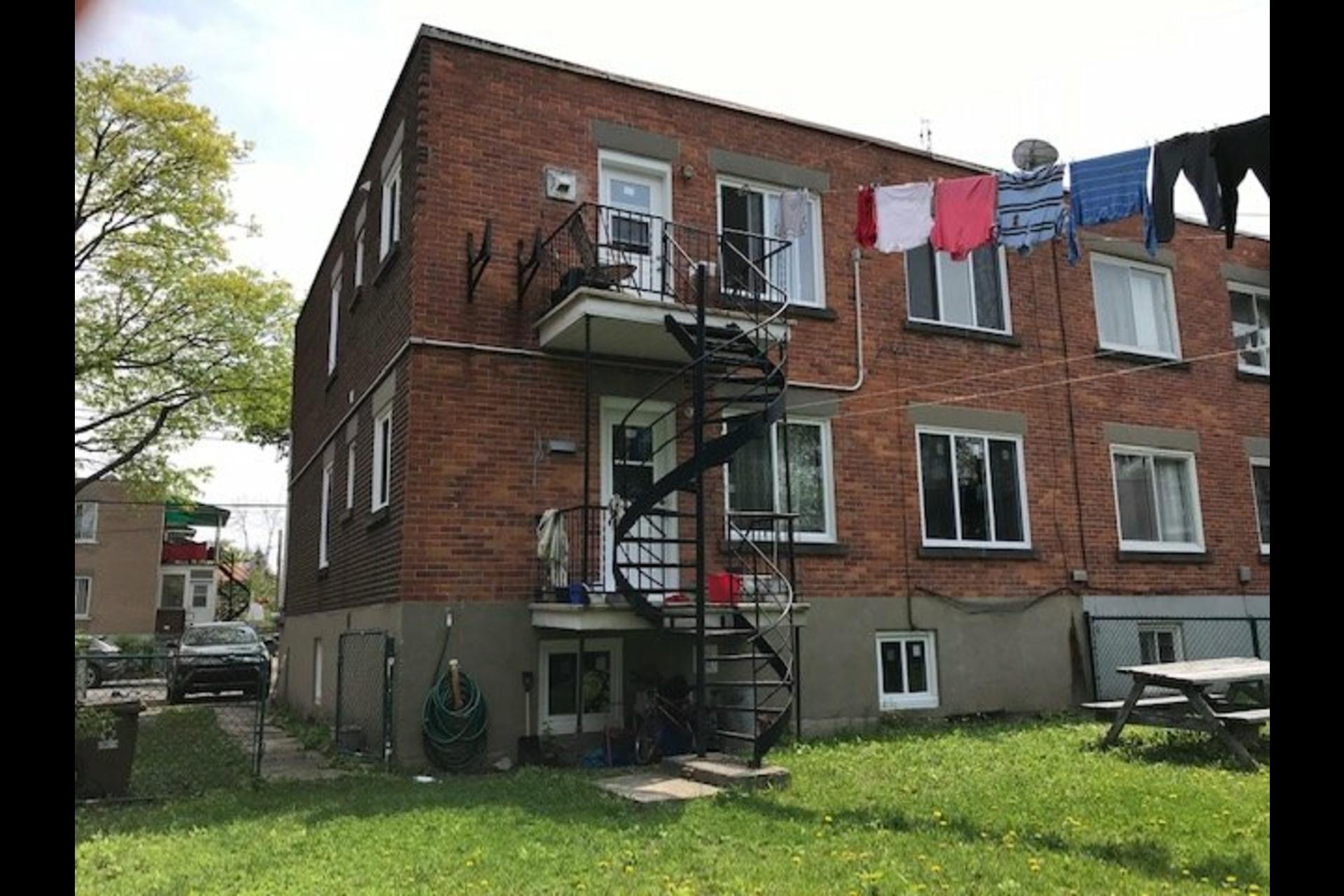image 4 - Duplex À vendre Montréal Saint-Laurent  - 8 pièces