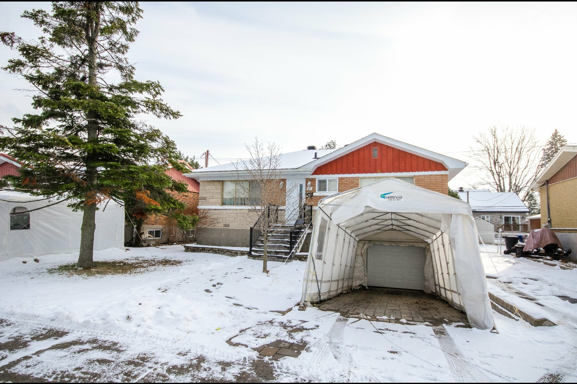 image 0 - House For sale Châteauguay - 8 rooms
