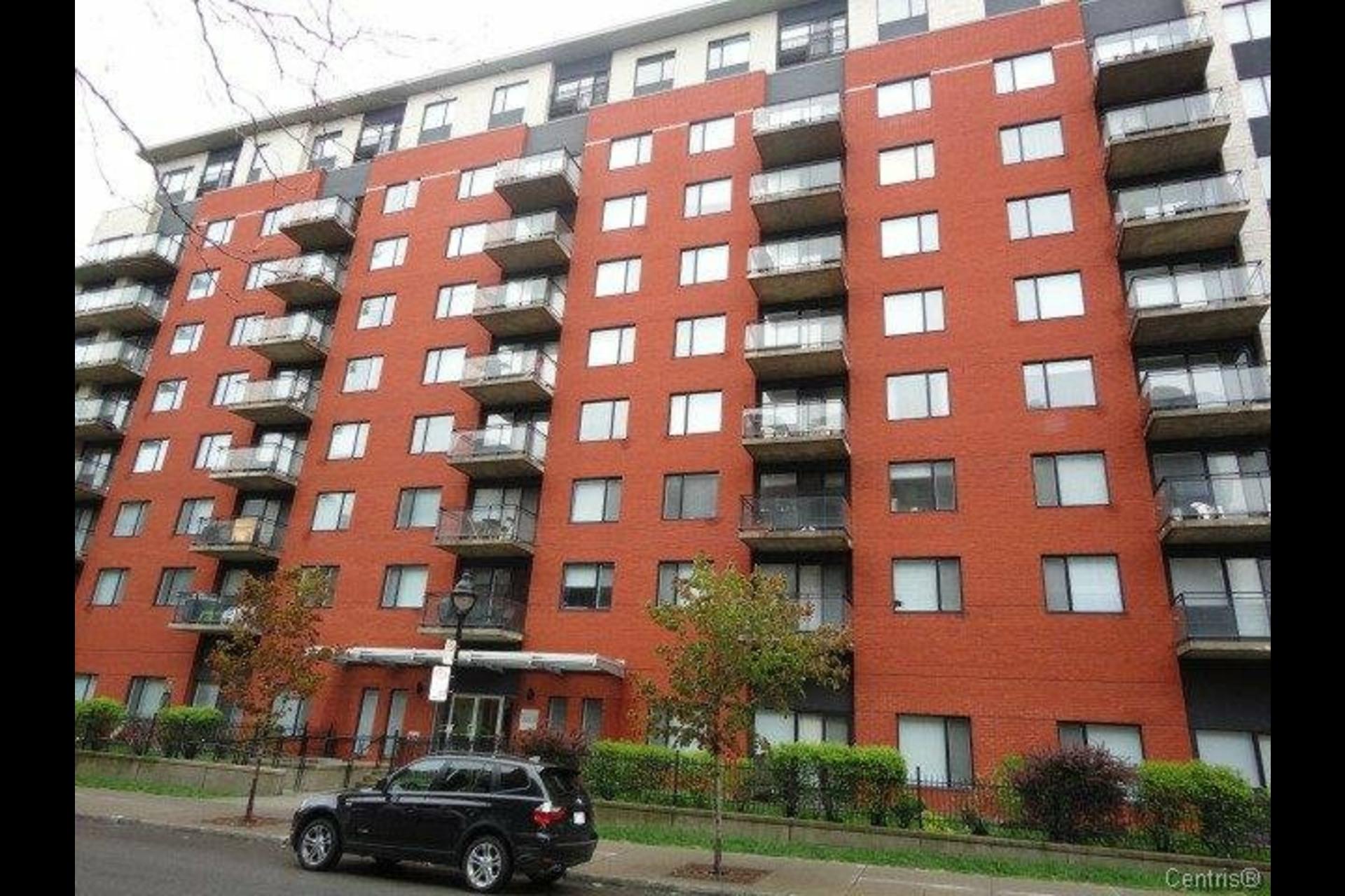 image 0 - Appartement À louer Montréal Ville-Marie  - 4 pièces