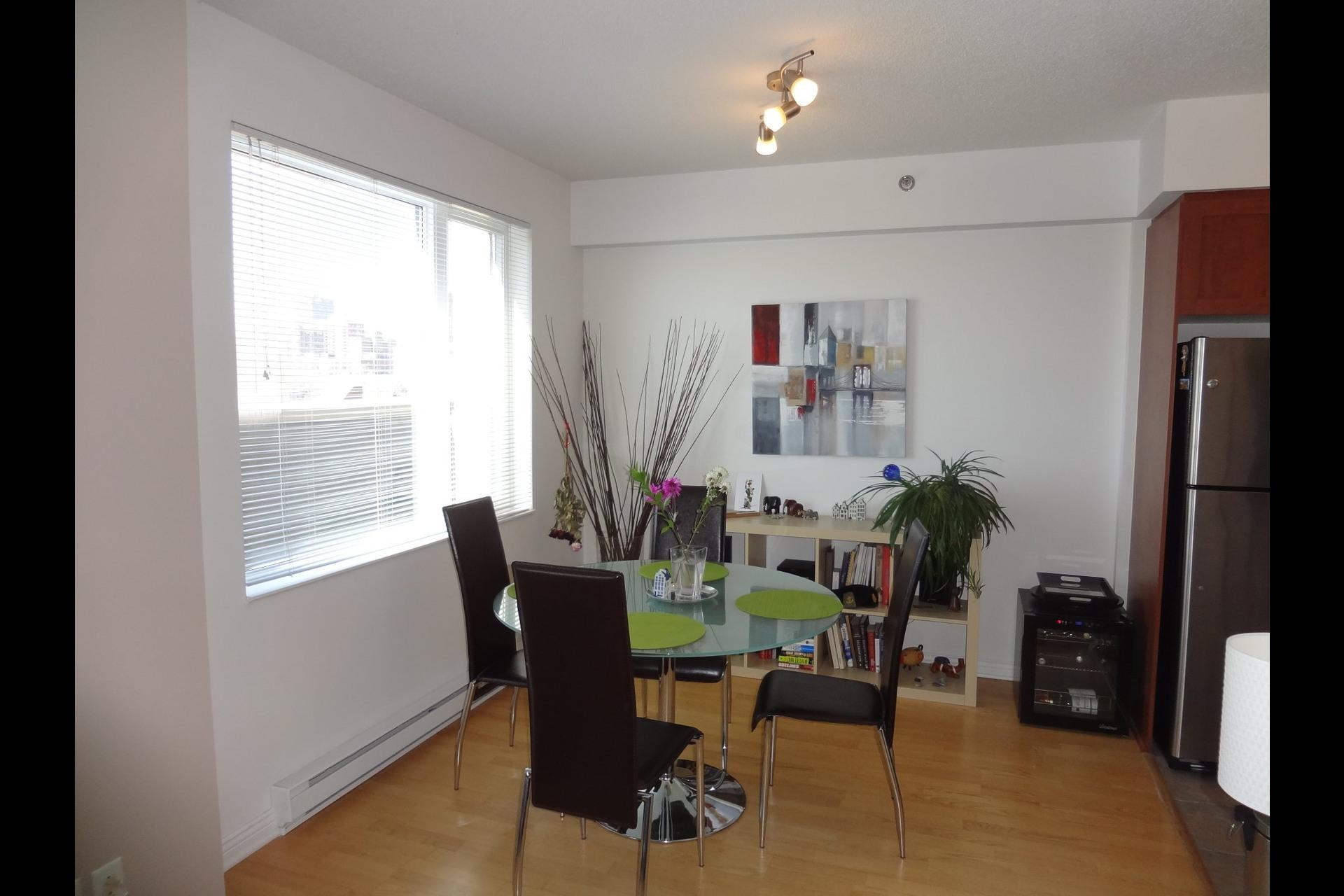 image 3 - Appartement À louer Montréal Ville-Marie  - 4 pièces