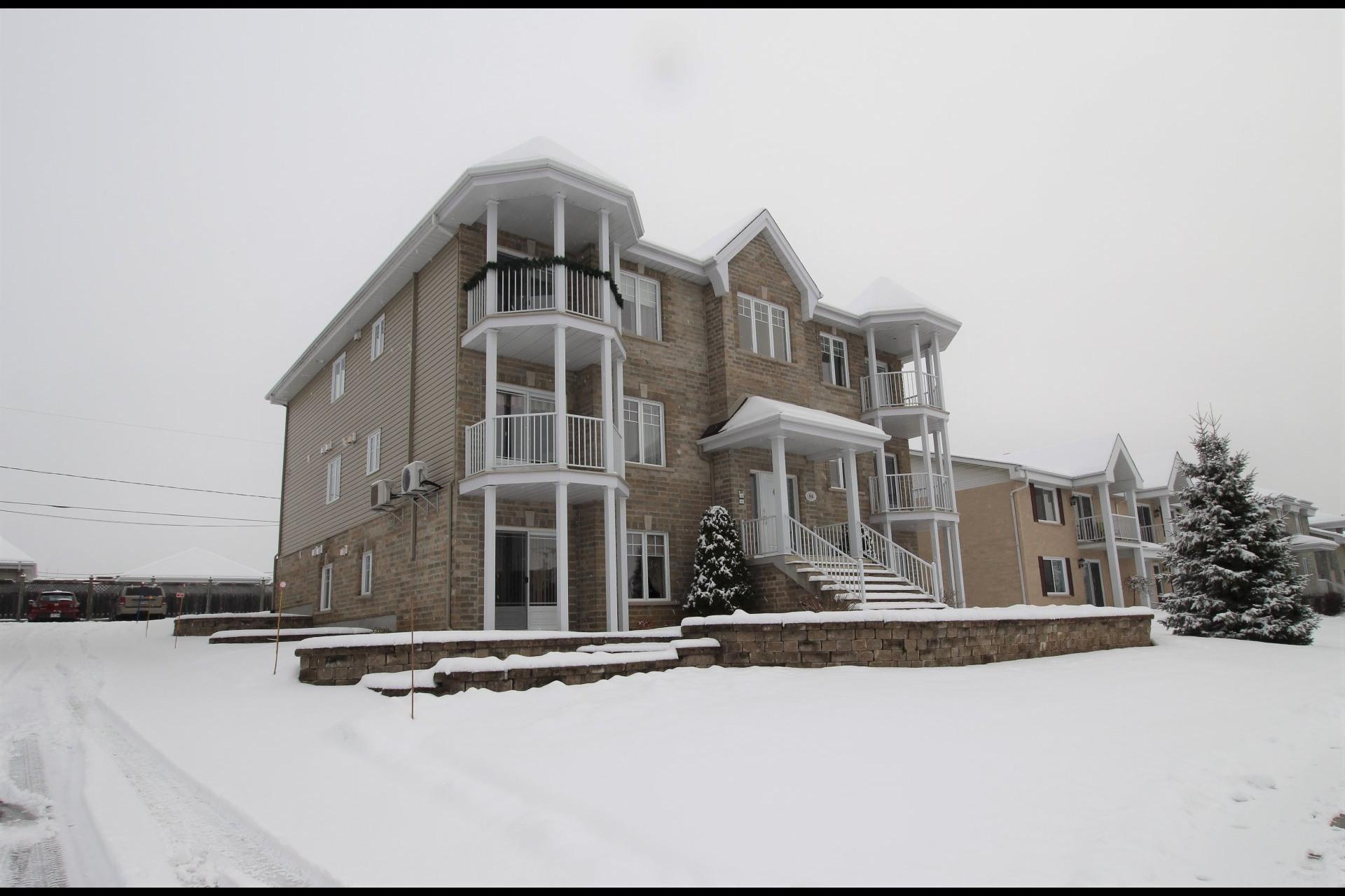 image 21 - Appartement À vendre Notre-Dame-des-Prairies - 10 pièces