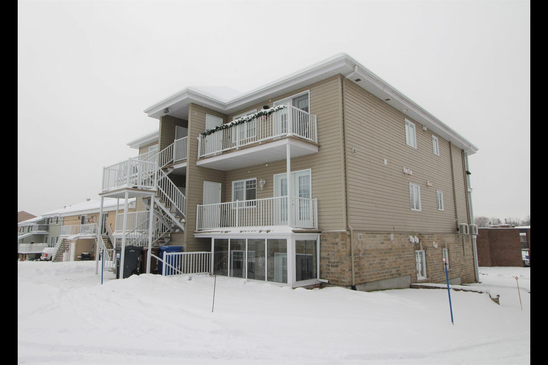image 19 - Appartement À vendre Notre-Dame-des-Prairies - 10 pièces