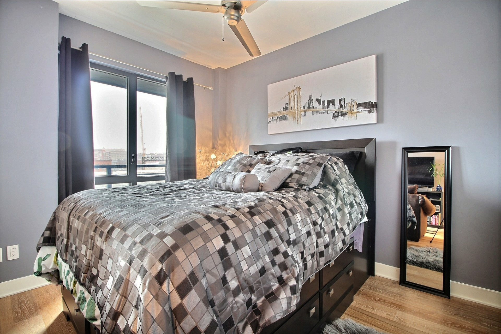image 7 - Appartement À louer Montréal Le Sud-Ouest  - 3 pièces