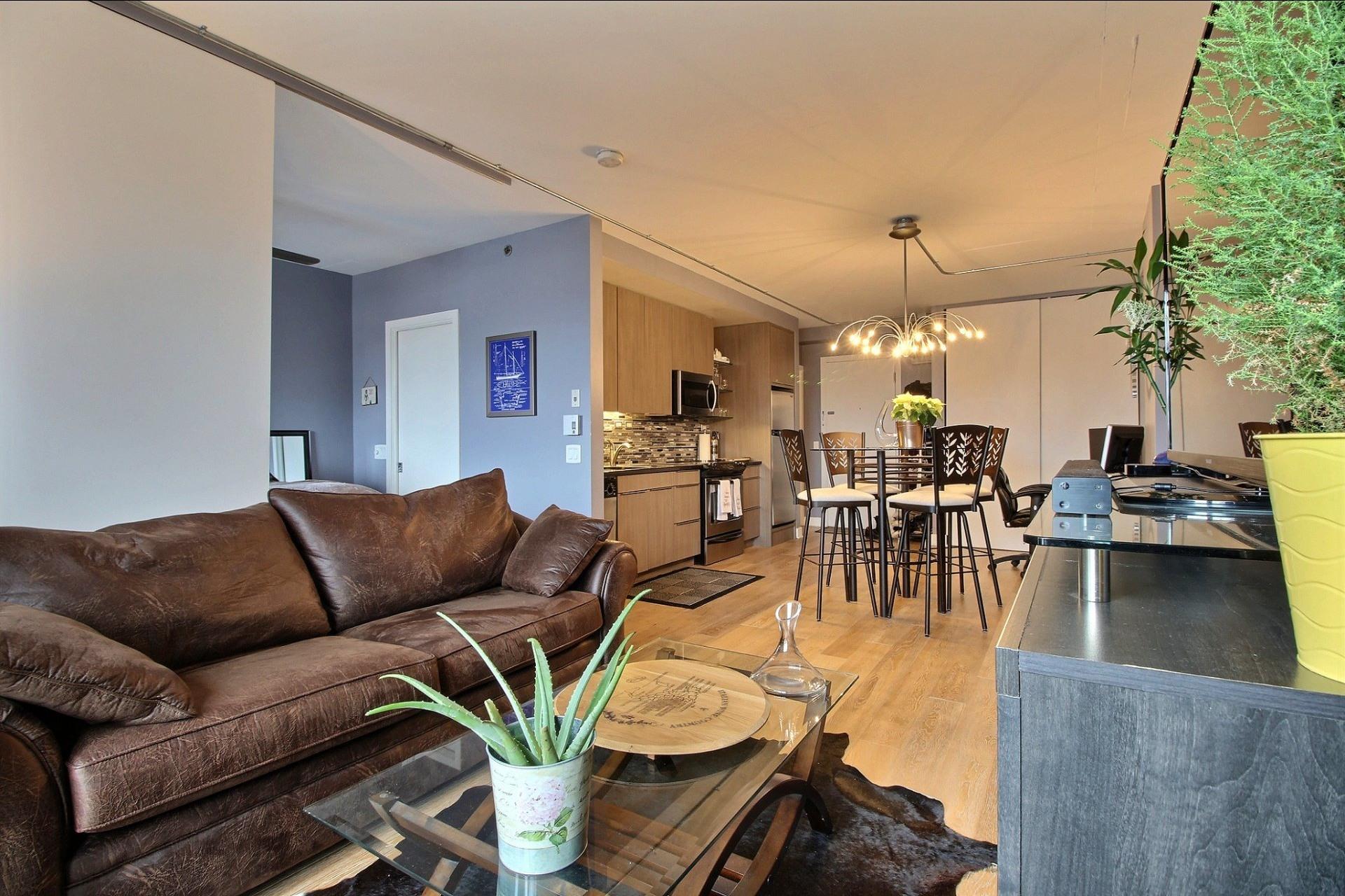 image 0 - Appartement À louer Montréal Le Sud-Ouest  - 3 pièces