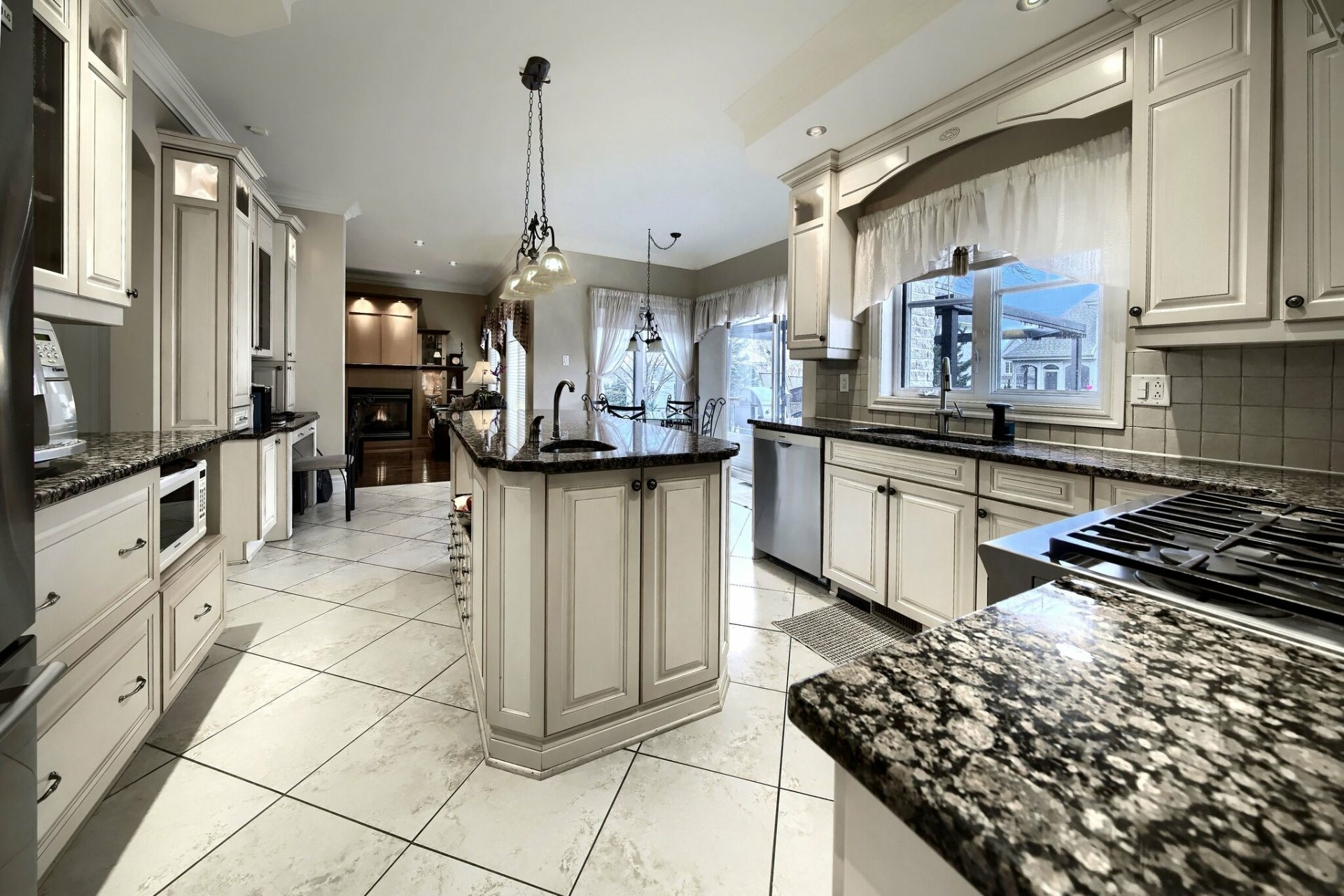 image 5 - House For sale Brossard - 17 rooms