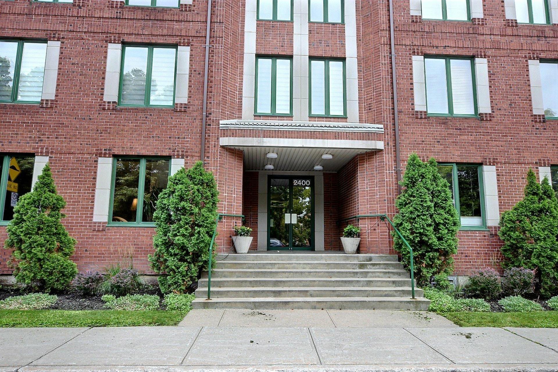 image 19 - Appartement À vendre Montréal Le Sud-Ouest  - 5 pièces