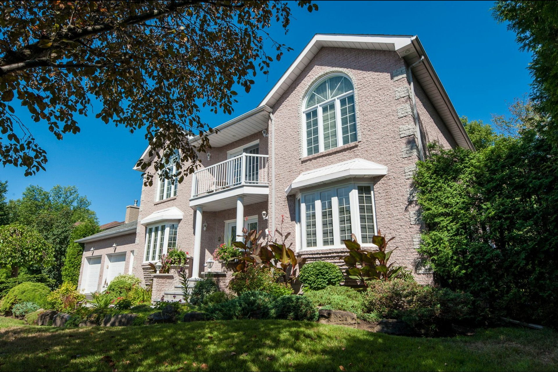 image 0 - House For sale Beaconsfield