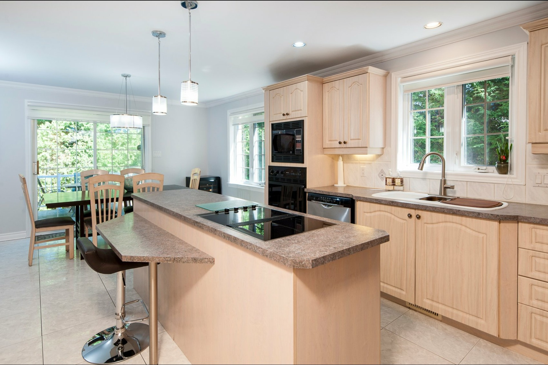image 9 - House For sale Beaconsfield