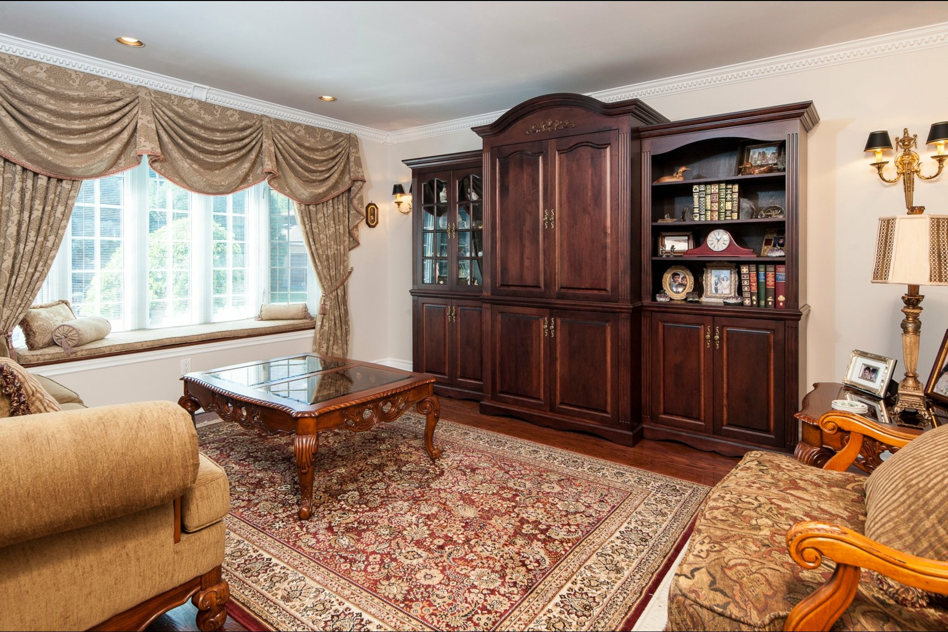 image 6 - House For sale Beaconsfield