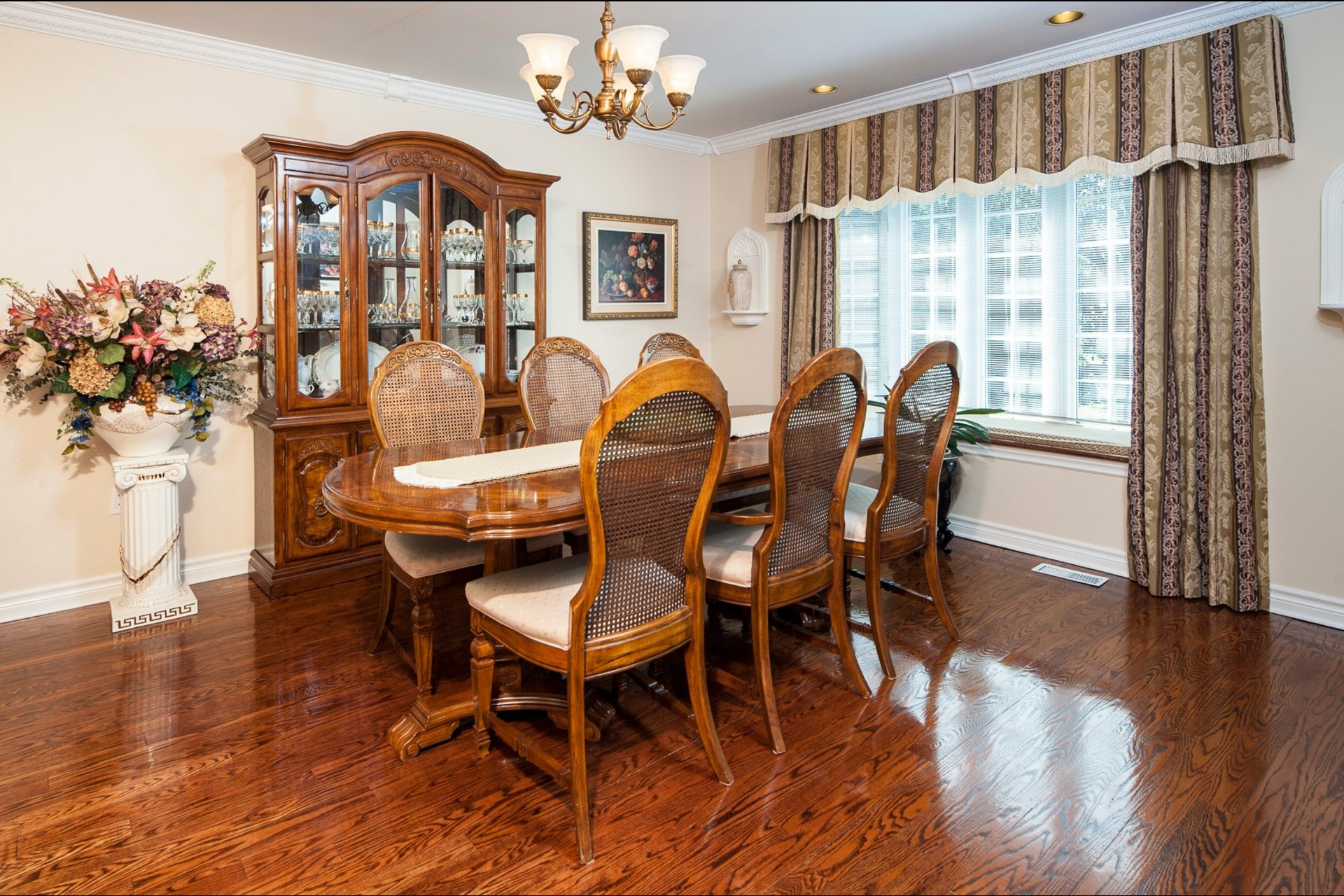 image 8 - House For sale Beaconsfield