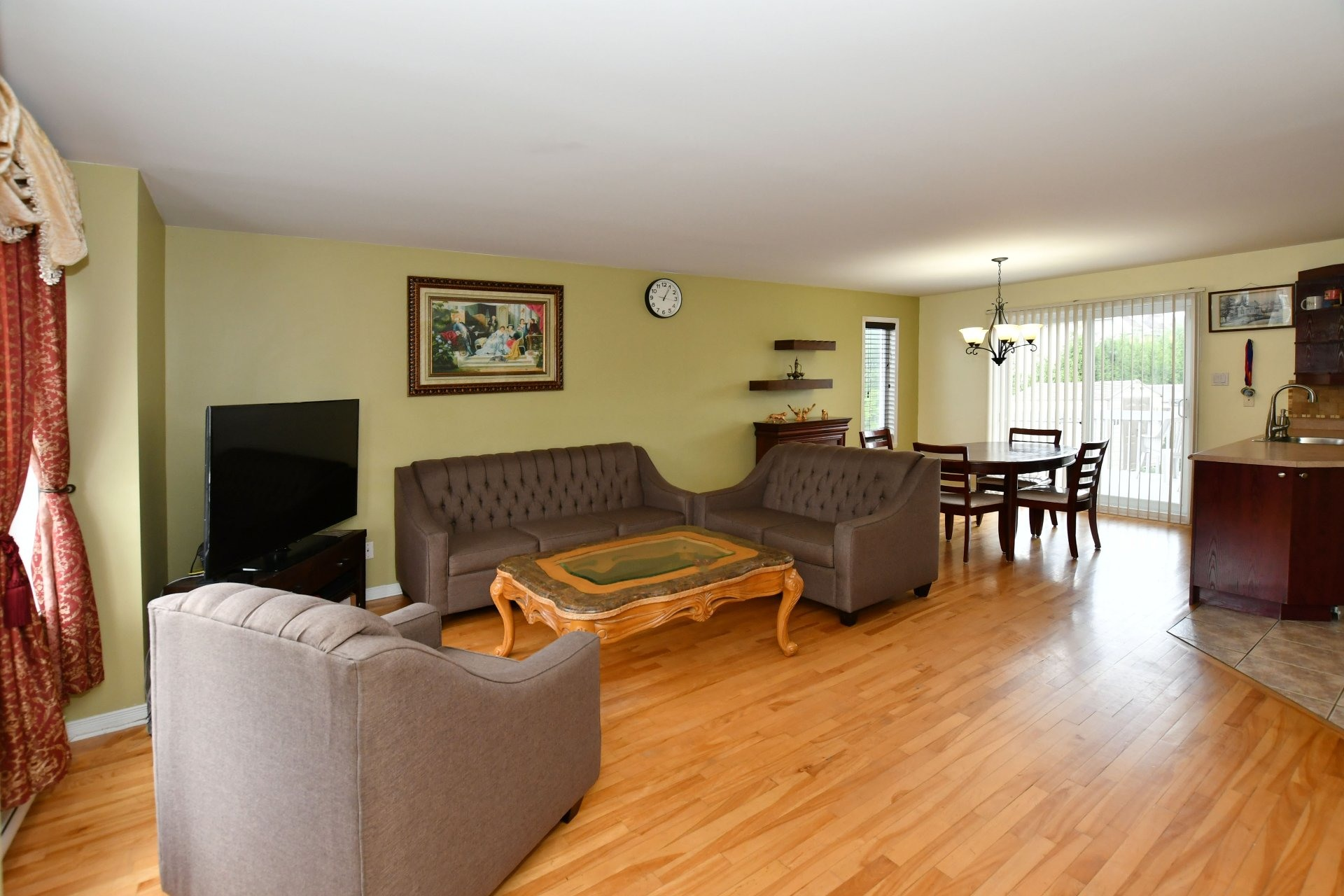 image 2 - House For sale Vaudreuil-Dorion - 10 rooms