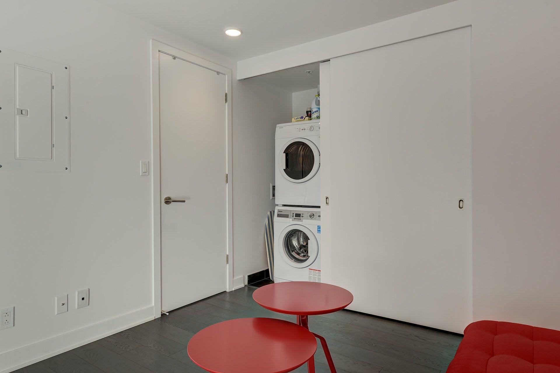 image 11 - Apartment For rent Montréal Ville-Marie  - 4 rooms
