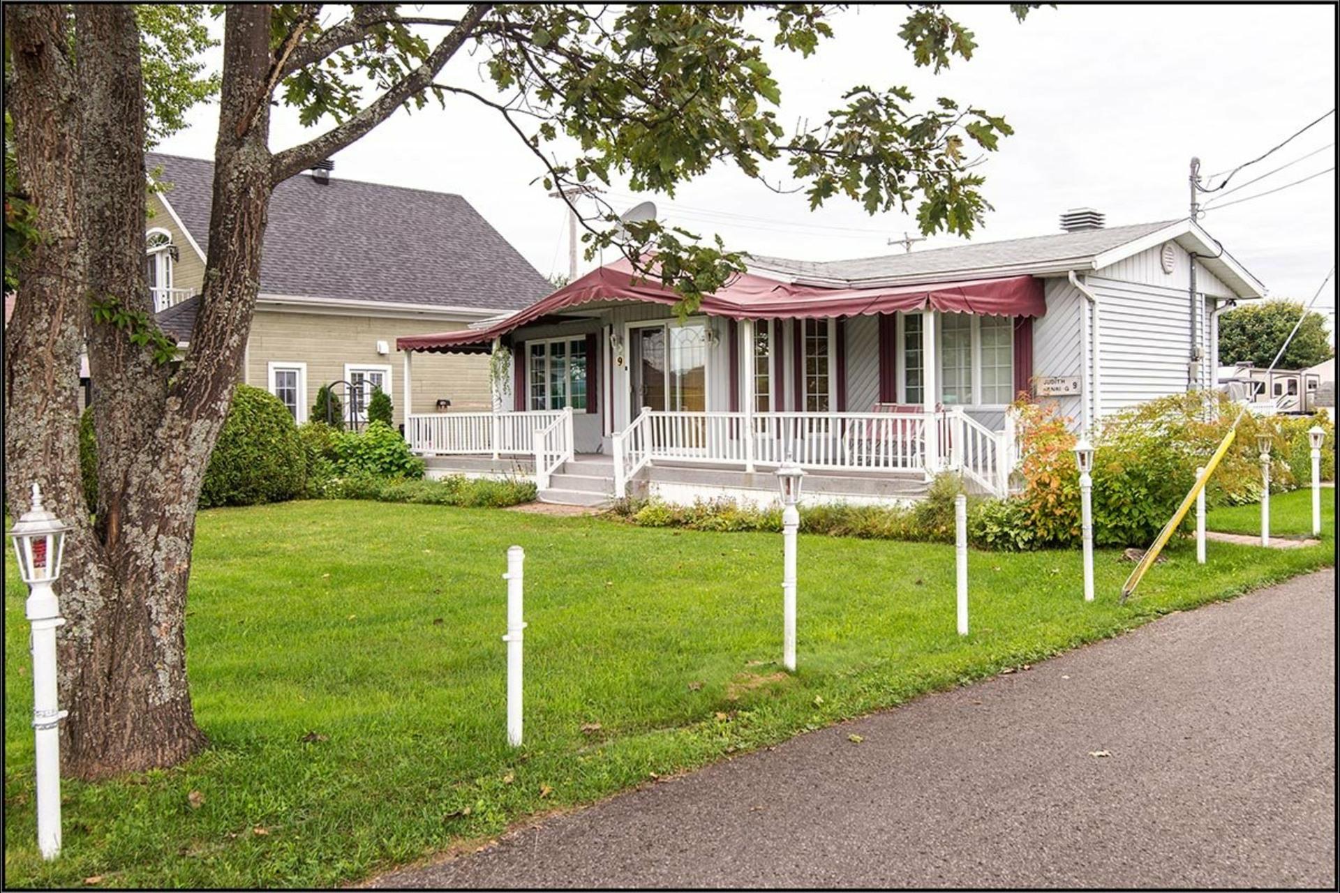 image 0 - Maison À vendre Fossambault-sur-le-Lac - 5 pièces