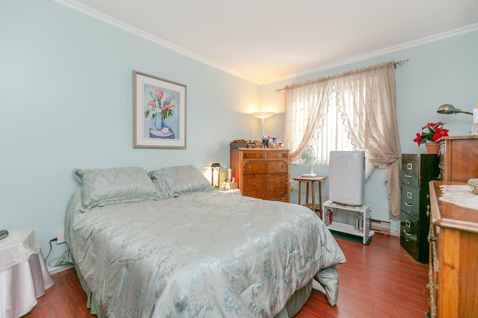 image 15 - Appartement À vendre Longueuil Le Vieux-Longueuil  - 7 pièces
