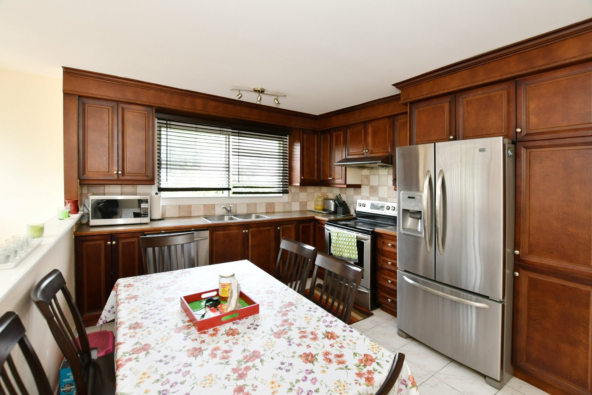 image 4 - House For sale Laval Chomedey  - 7 rooms