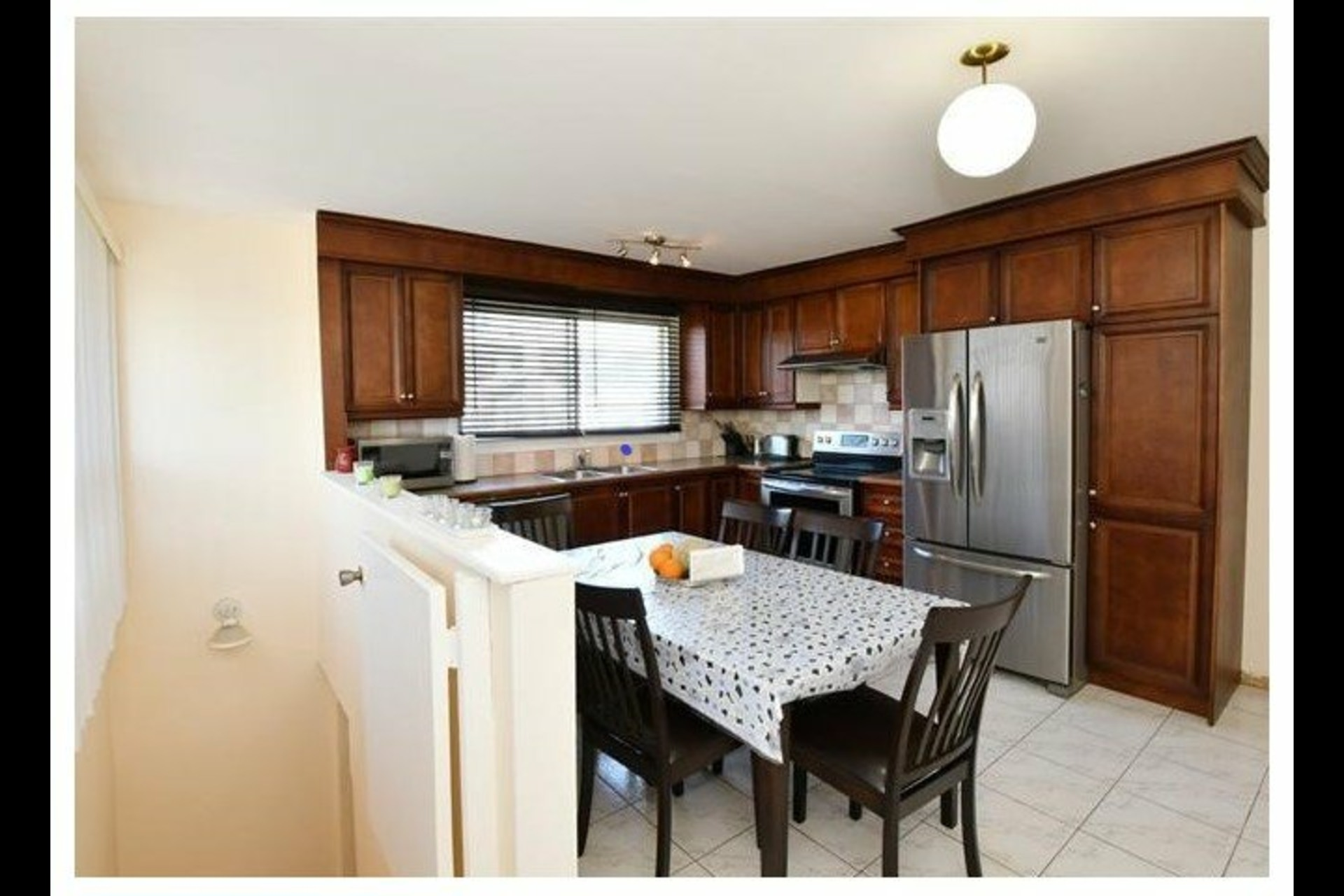 image 1 - House For sale Laval Chomedey  - 7 rooms